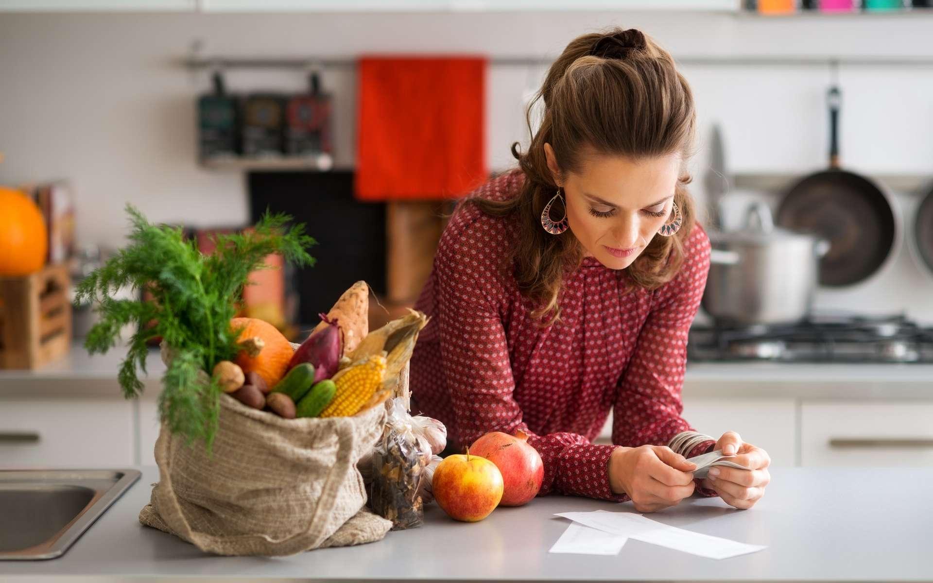 Gérer son budget alimentaire va permettre d'éviter de sauter des repas et de se faire plaisir avec des produits frais et de saison. © Alliance, Adobe Stock.