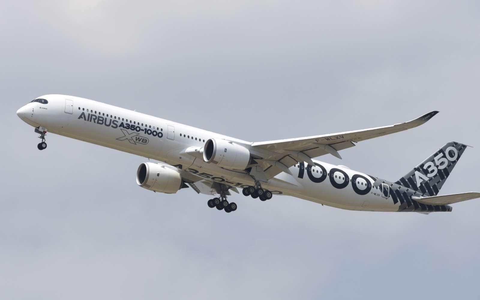 Concurrent du Boeing 787, l'Airbus A350-1000 est capable d'emporter jusqu'à 440 passagers et traverser l'atlantique sur ses deux réacteurs. © Sylvain Biget, tous droits réservés