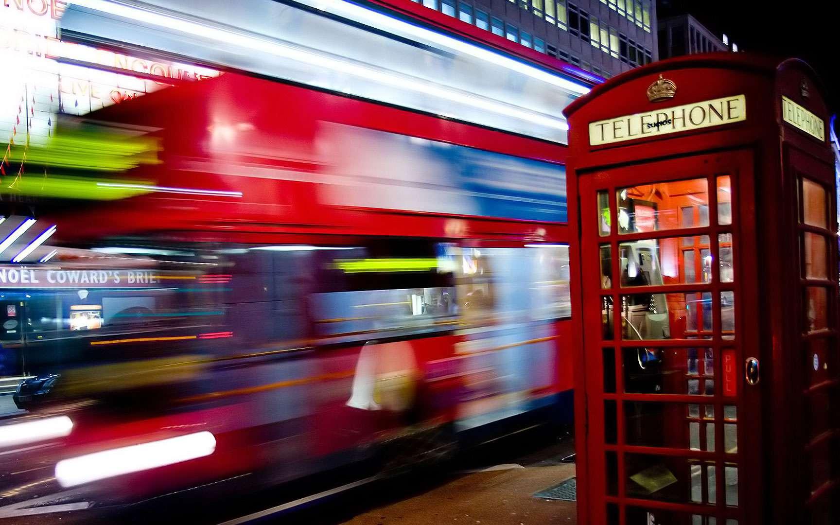 La pollution lumineuse à Londres. Nous sommes tellement habitués à la pollution lumineuse que nous ne nous rendons même plus compte qu'elle perturbe notre rythme biologique. ©E01, Wikimedia Commons, CC by-sa 2.0