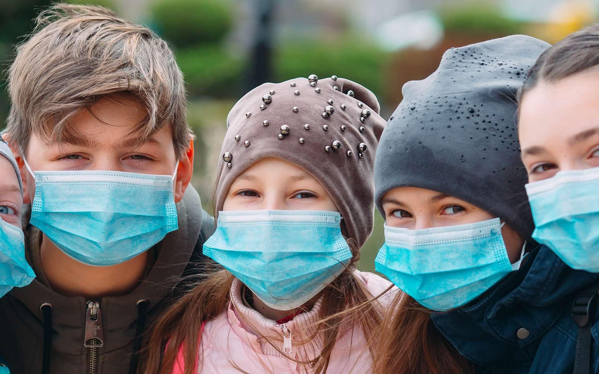 Les jeunes de moins de 21 ans déclarent une forme différente de Covid-19 où les détresses respiratoires sont rares. © davit85, Adobe Stock