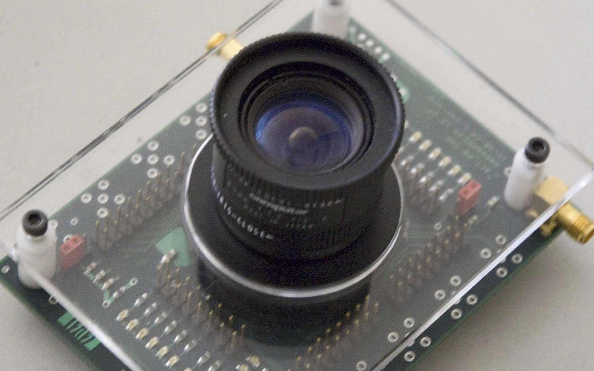 La caméra MegaX est suffisamment rapide pour capturer des photons individuels. © EPFL