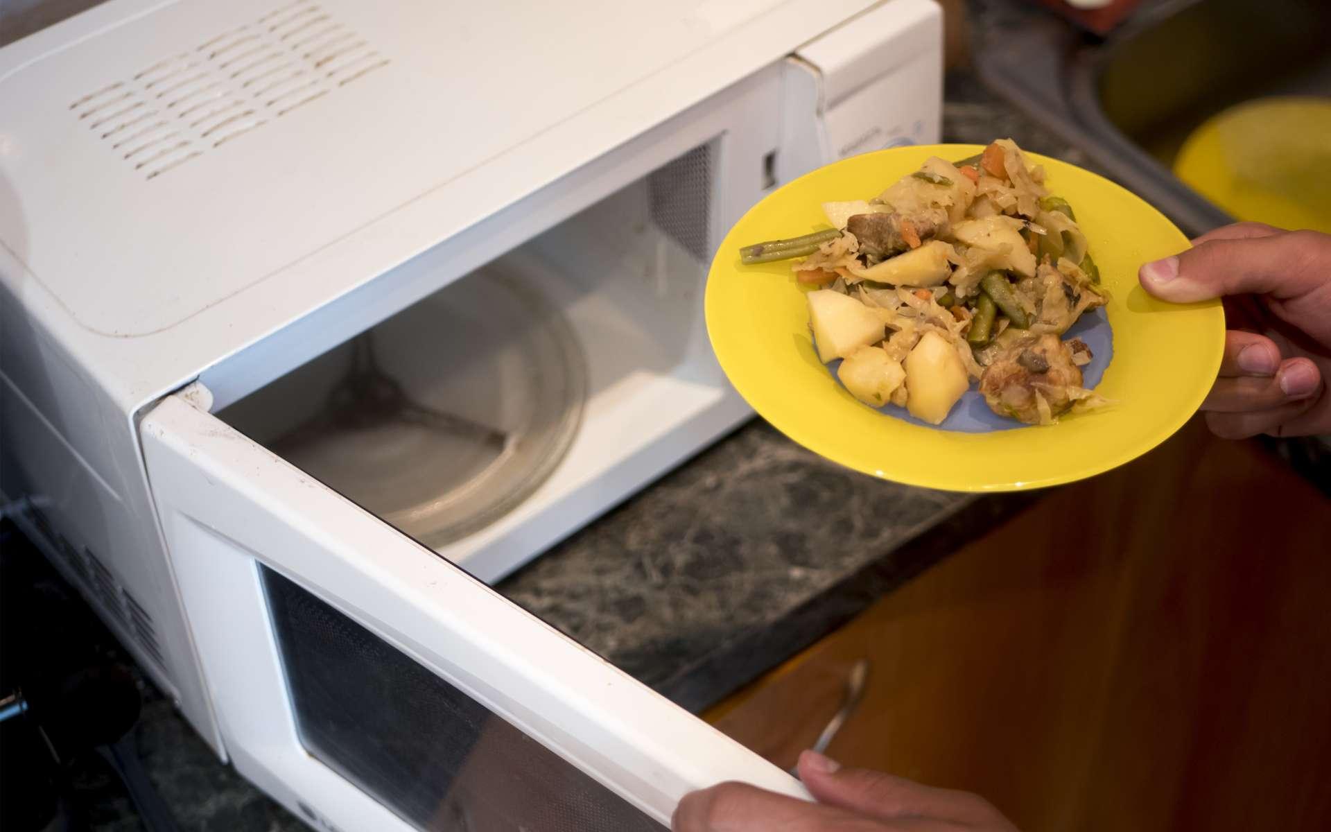 Cuisine Four Micro Onde 10 aliments à ne pas mettre au micro-ondes