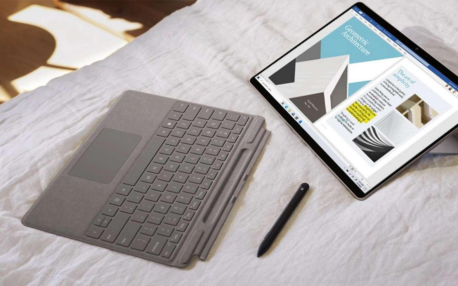 Grâce à un nouvel émulateur, les applications x64 fonctionnent sur un PC avec un processeur ARM. © Microsoft
