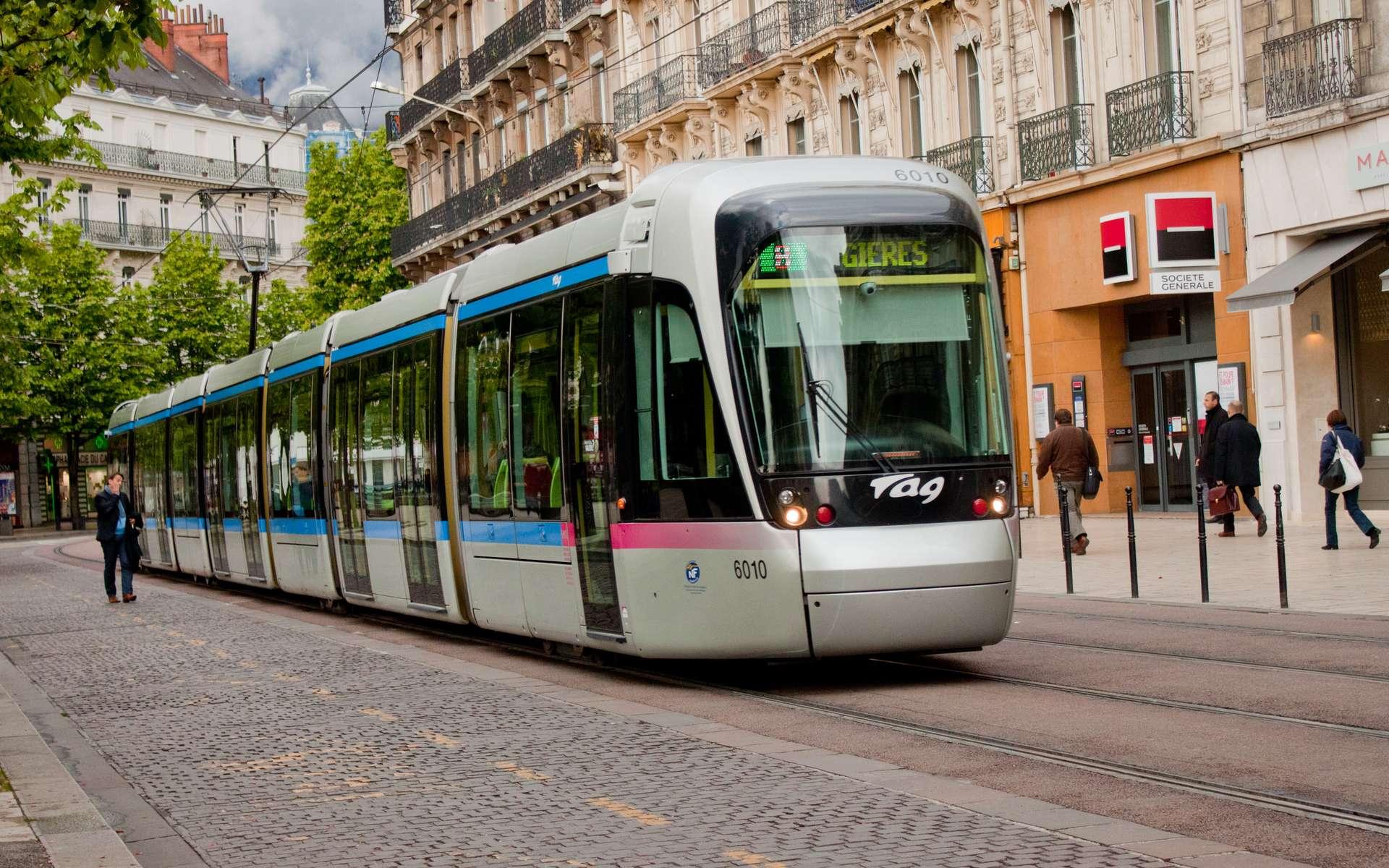 Ligne B du métro de Grenoble © Wikimedia