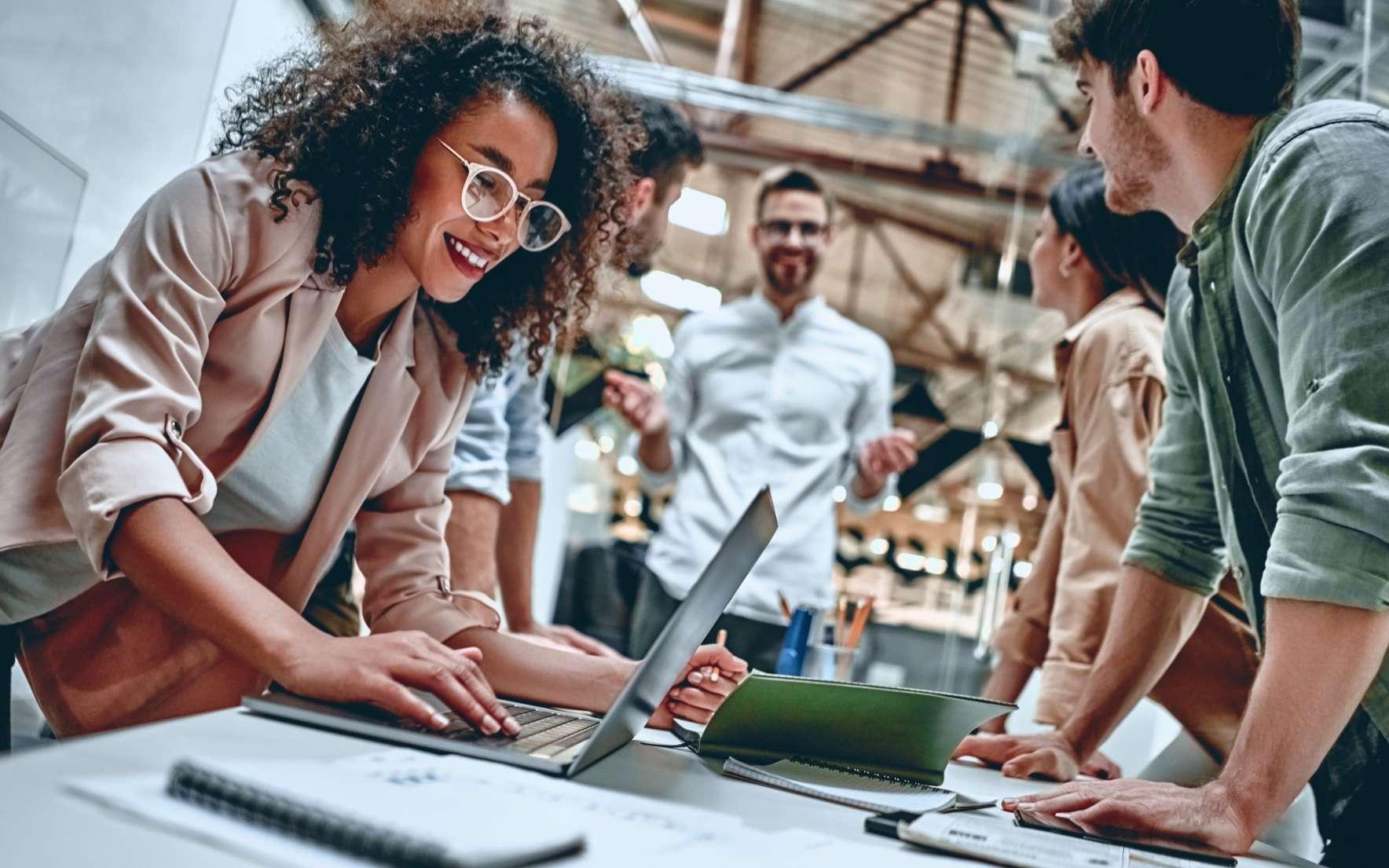 Créez une équipe efficace et optez pour un travail en synergie grâce à la méthode DISC. © Vasyl, Adobe Stock