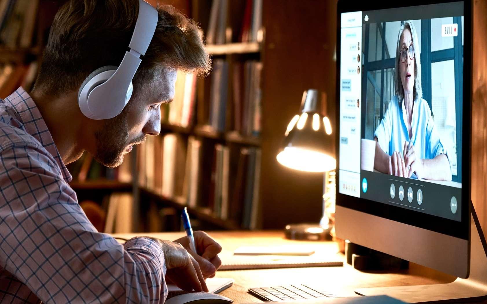 Acquérir de nouvelles compétences avec le compte personnel de formation ou CPF. © insta_photos, Adobe Stock