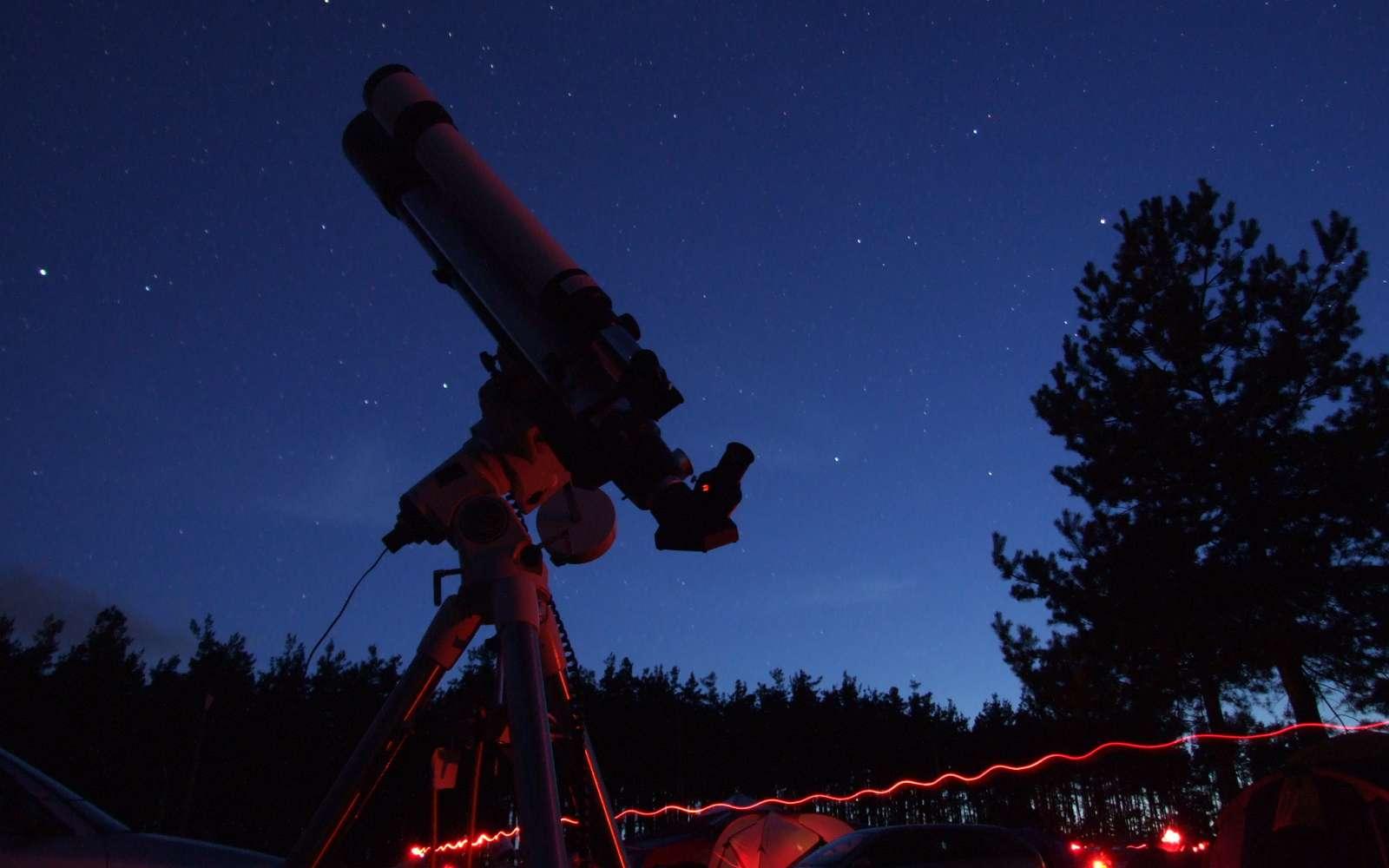 Les Nuits des Etoiles, l'occasion de découvrir les beautés du ciel nocturne. Crédits Jean-Baptiste Feldmann