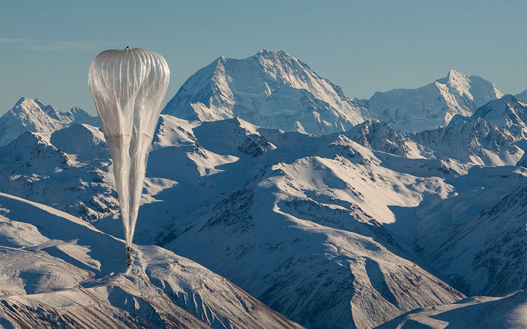 Les ballons stratosphériques Loon de Google sont fabriqués avec des feuilles de polyéthylène et gonflés à l'hélium. © X.company