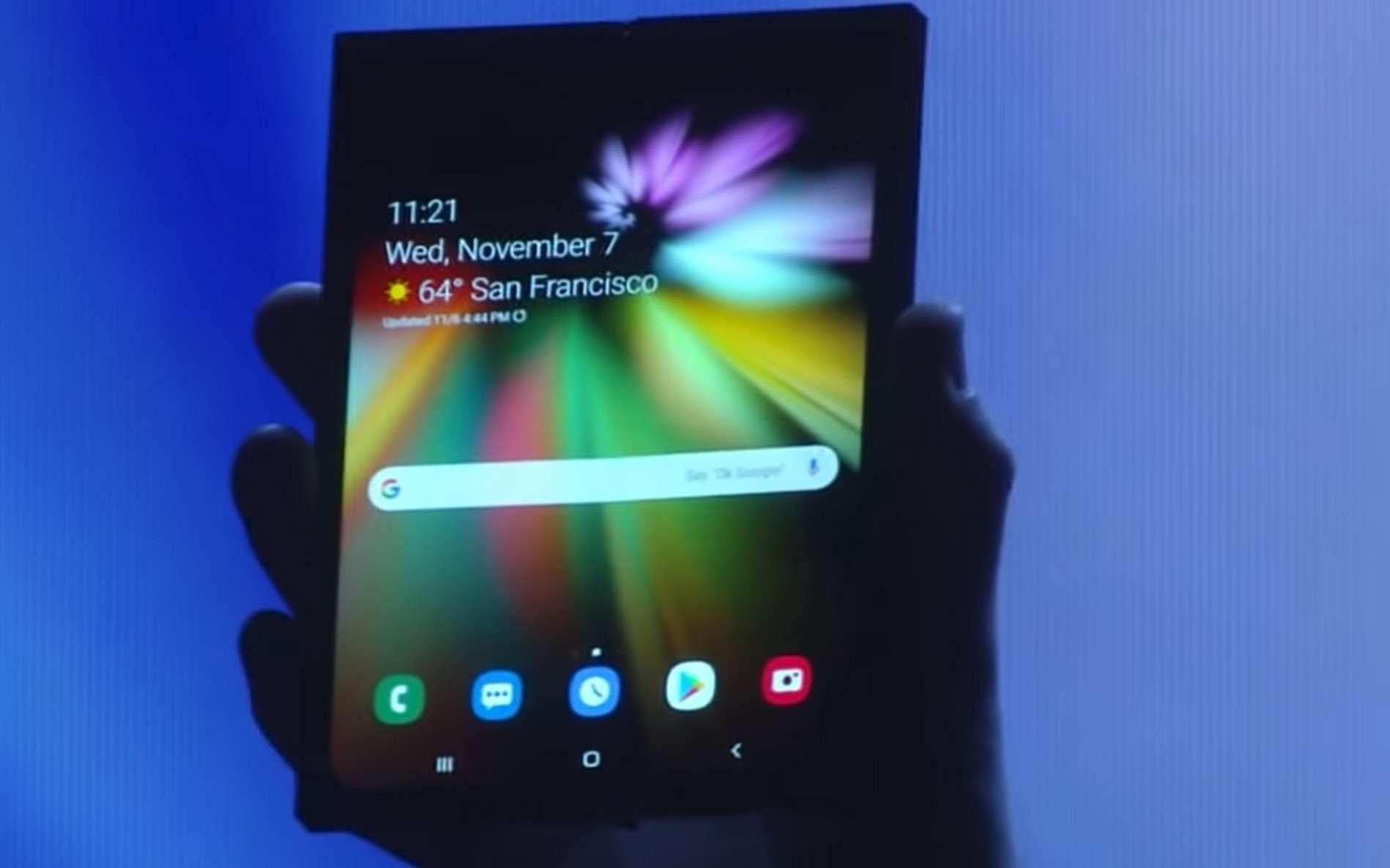 Le smartphone à écran pliable Infinity Flex Display. © Samsung