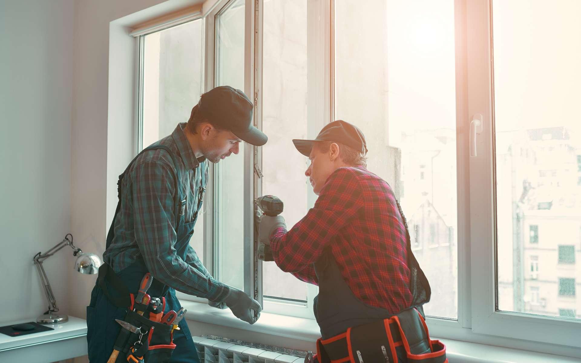Découvrez le tarif de pose d'une fenêtre PVC © Friends Stock, Adobe Stock.
