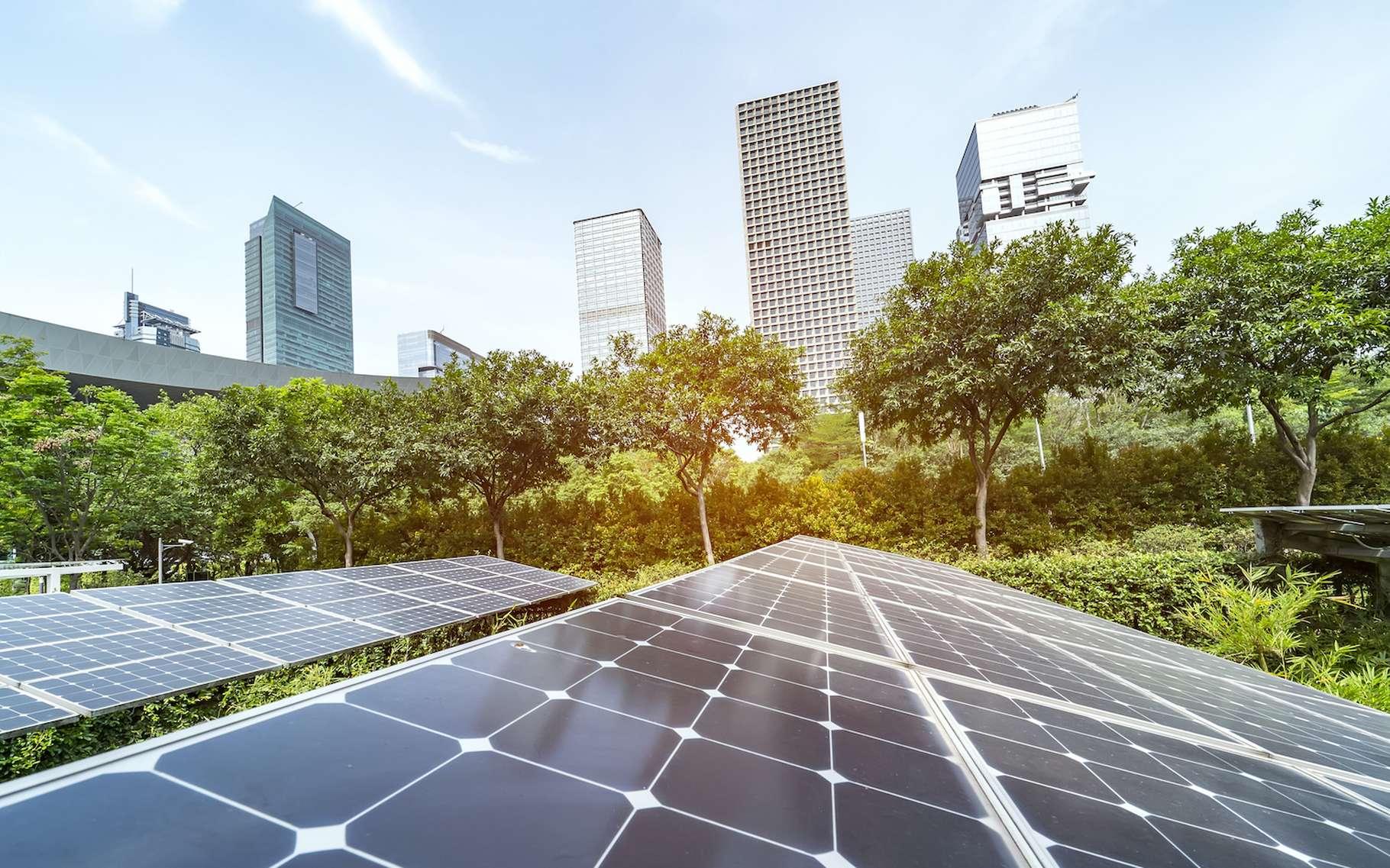 En plus de s'appuyer sur des énergies renouvelables, les villes du futur devront être économes en énergie. © xiaoliangge, Adobe Stock