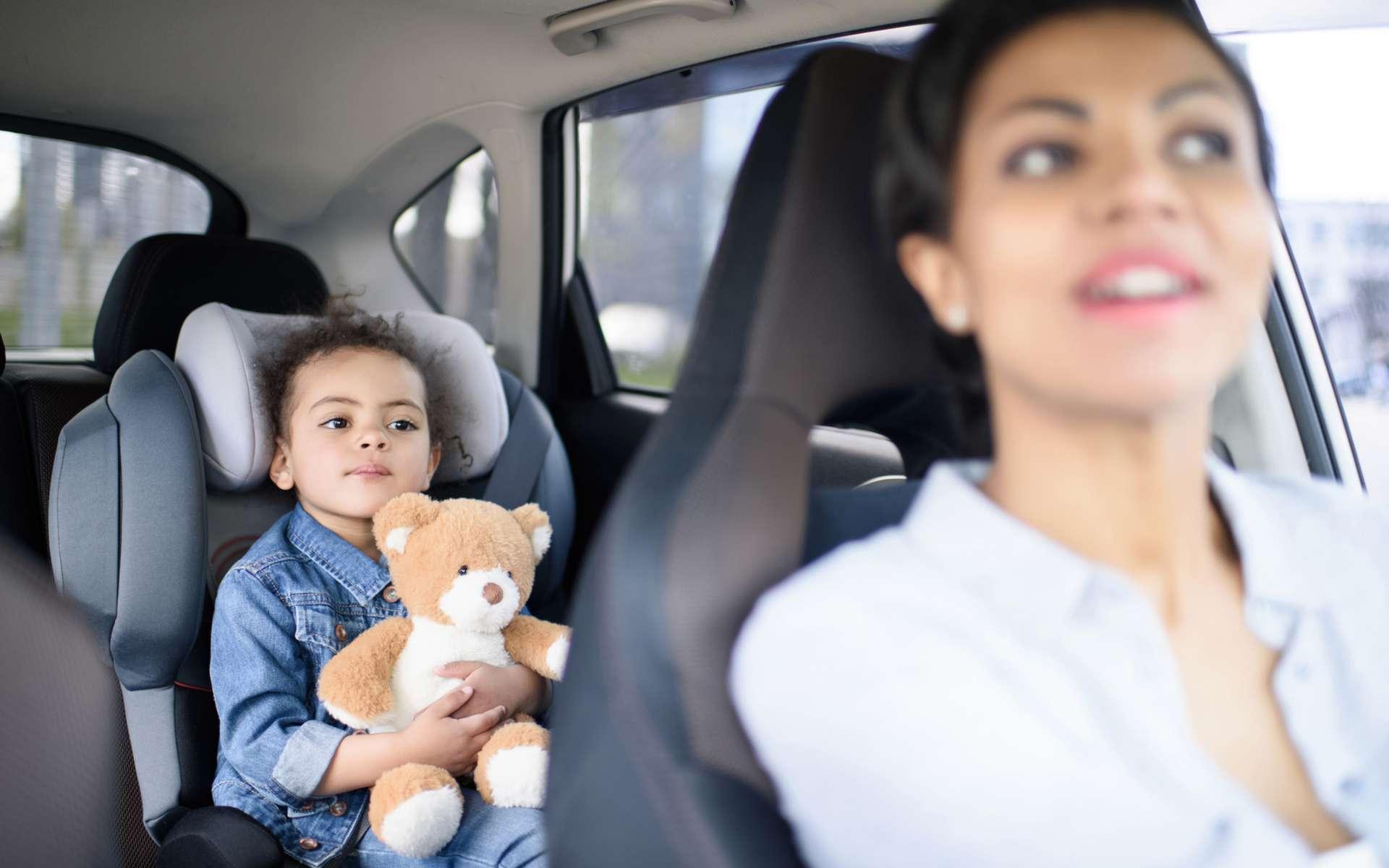 Mentir à ses enfants aurait des conséquences néfastes sur leur développement mental. © LightFieldStudios, IStock