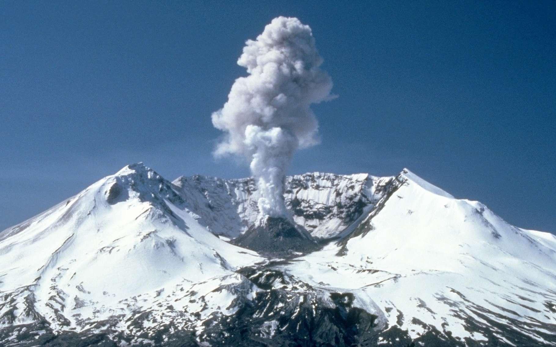 Des chercheurs comptent sur une intelligence artificielle pour prédire les éruptions volcaniques à partir d'images satellites. © WikiImages, Pixabay, CC0 Creative Commons