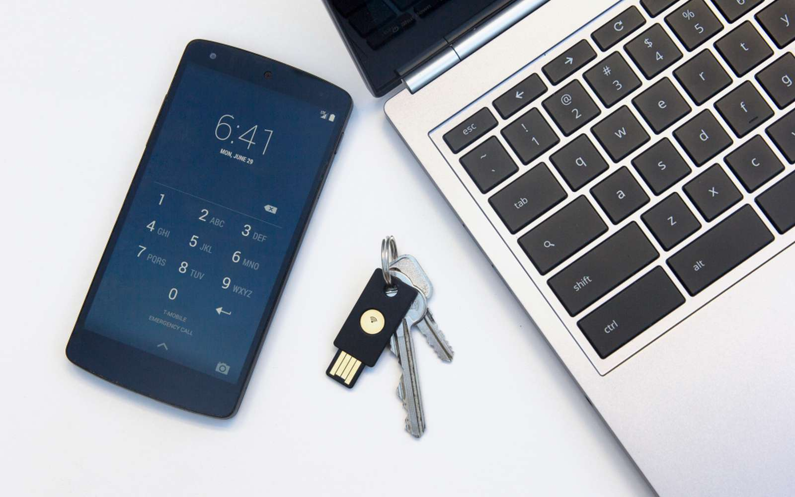 Le nouveau programme de sécurité de Google propose notamment l'utilisation d'une clé de sécurité U2F FIDO. © Yubico