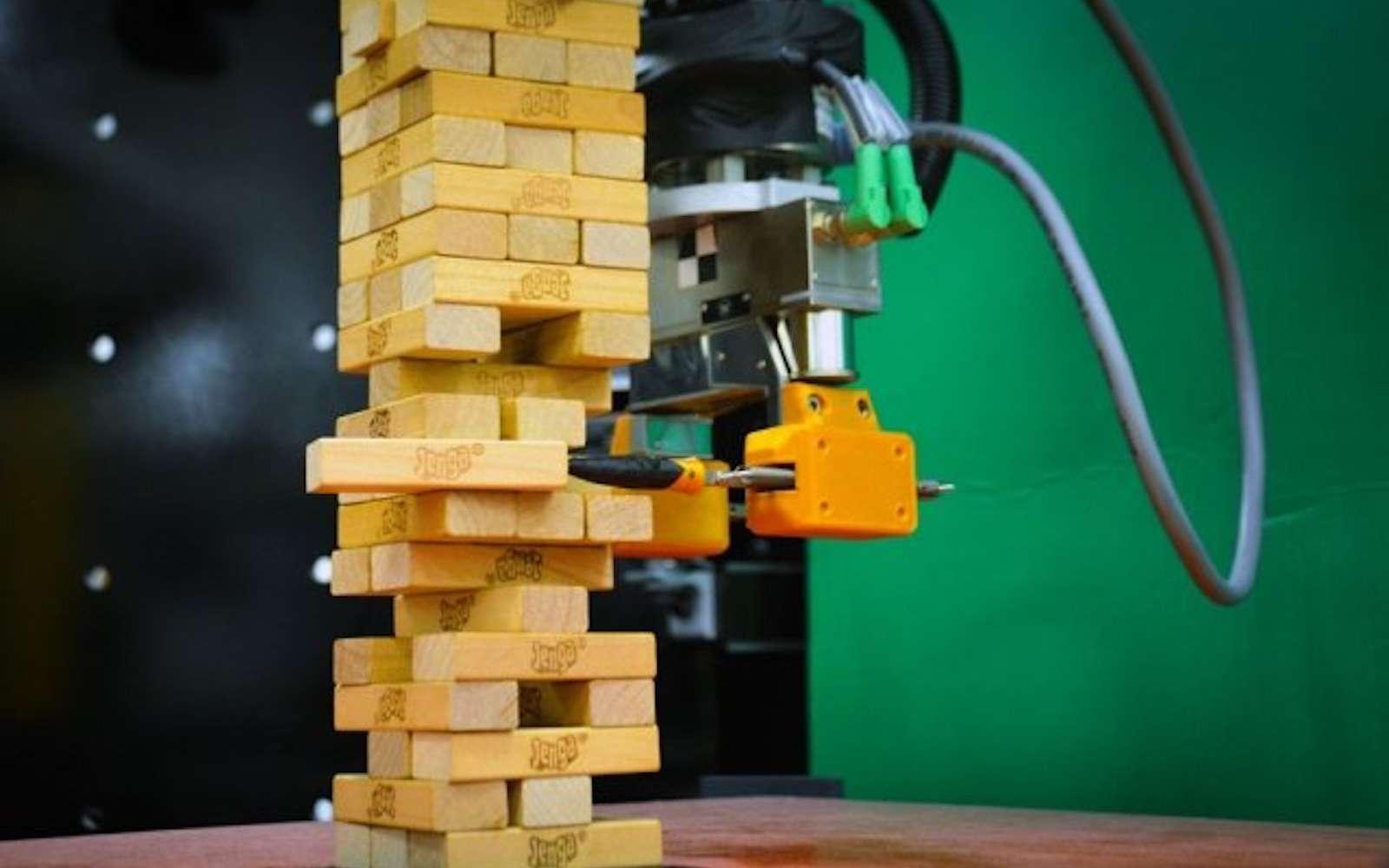 Très populaire aux États-Unis, le Jenga nécessite de l'anticipation, de la manipulation et de la précision. © MIT