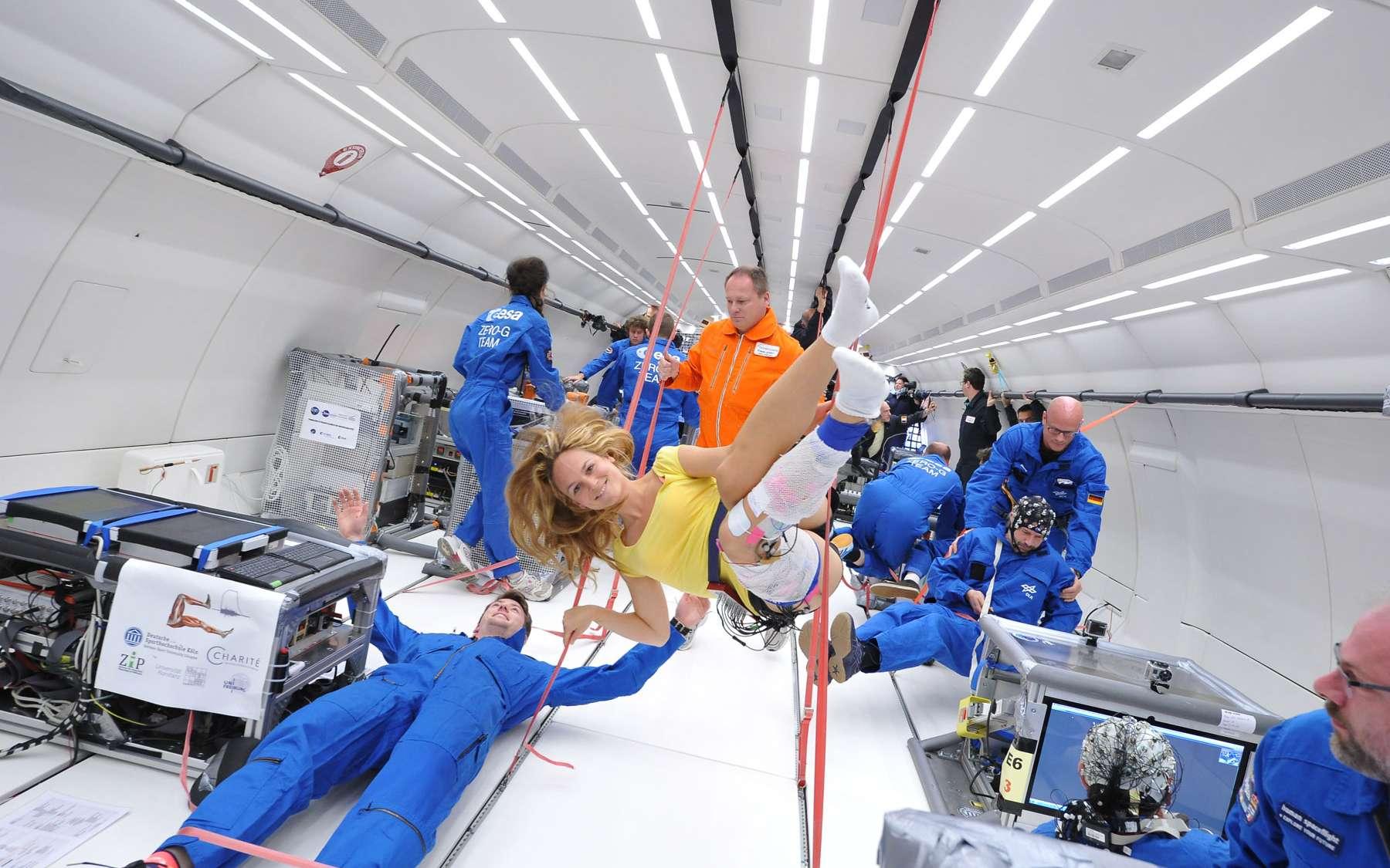 De nombreuses expériences scientifiques ont pu être réalisées à bord du nouvel avion Zéro-G de Novespace, à l'occasion de son premier vol. © Novespace, DLR
