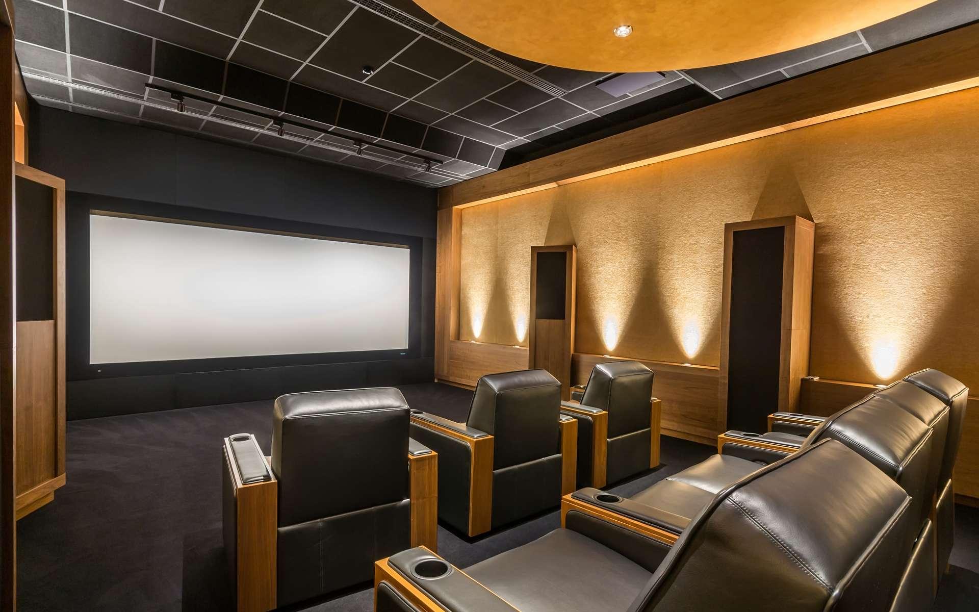 Recréer le son cinéma chez soi. © alhim, Adobe Stock