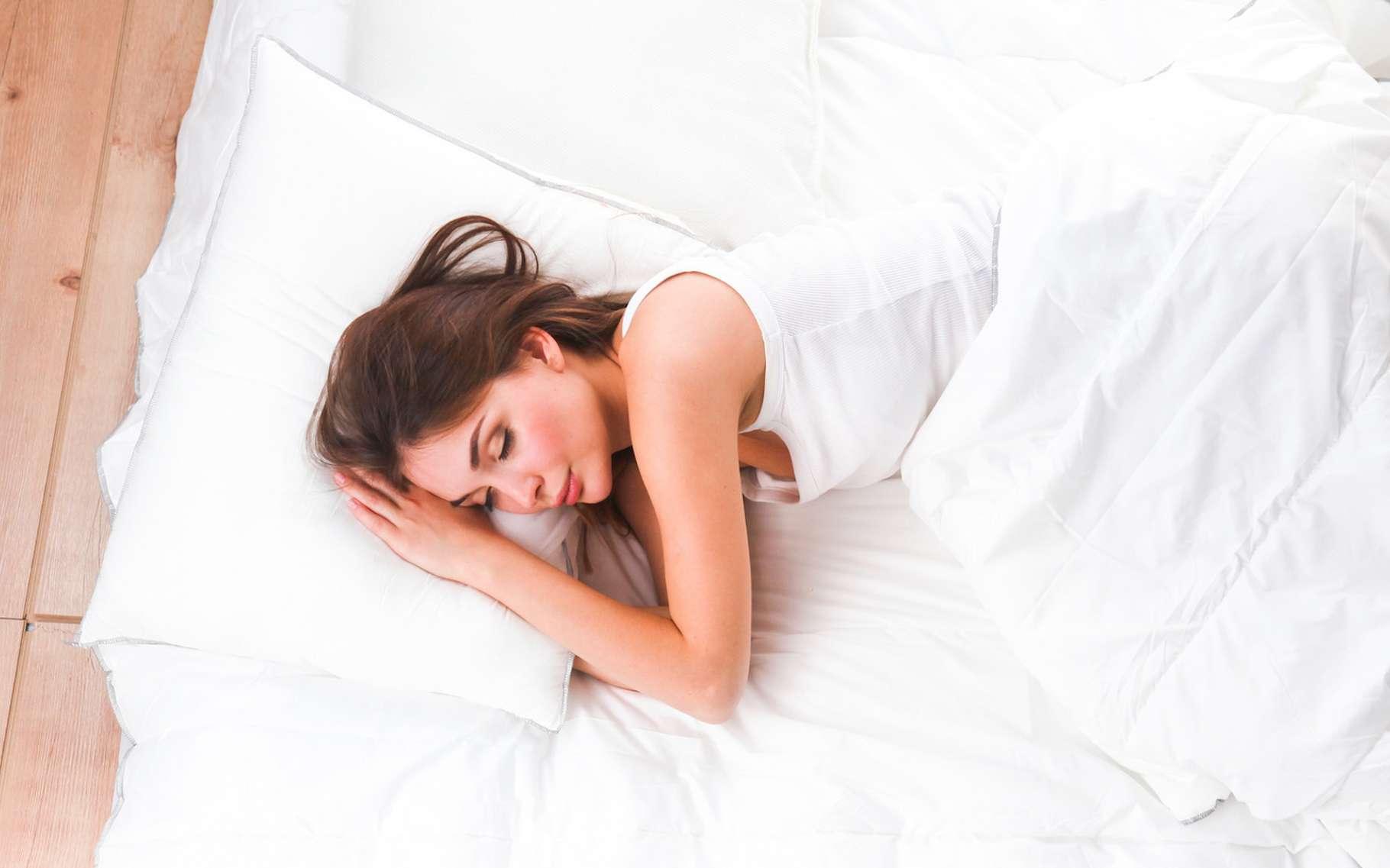 En matière de santé cardiovasculaire, ne sous-estimez pas l'importance d'une bonne nuit de sommeil. C'est la recommandation des chercheurs de l'université du Colorado. © lenets_tan, Fotolia