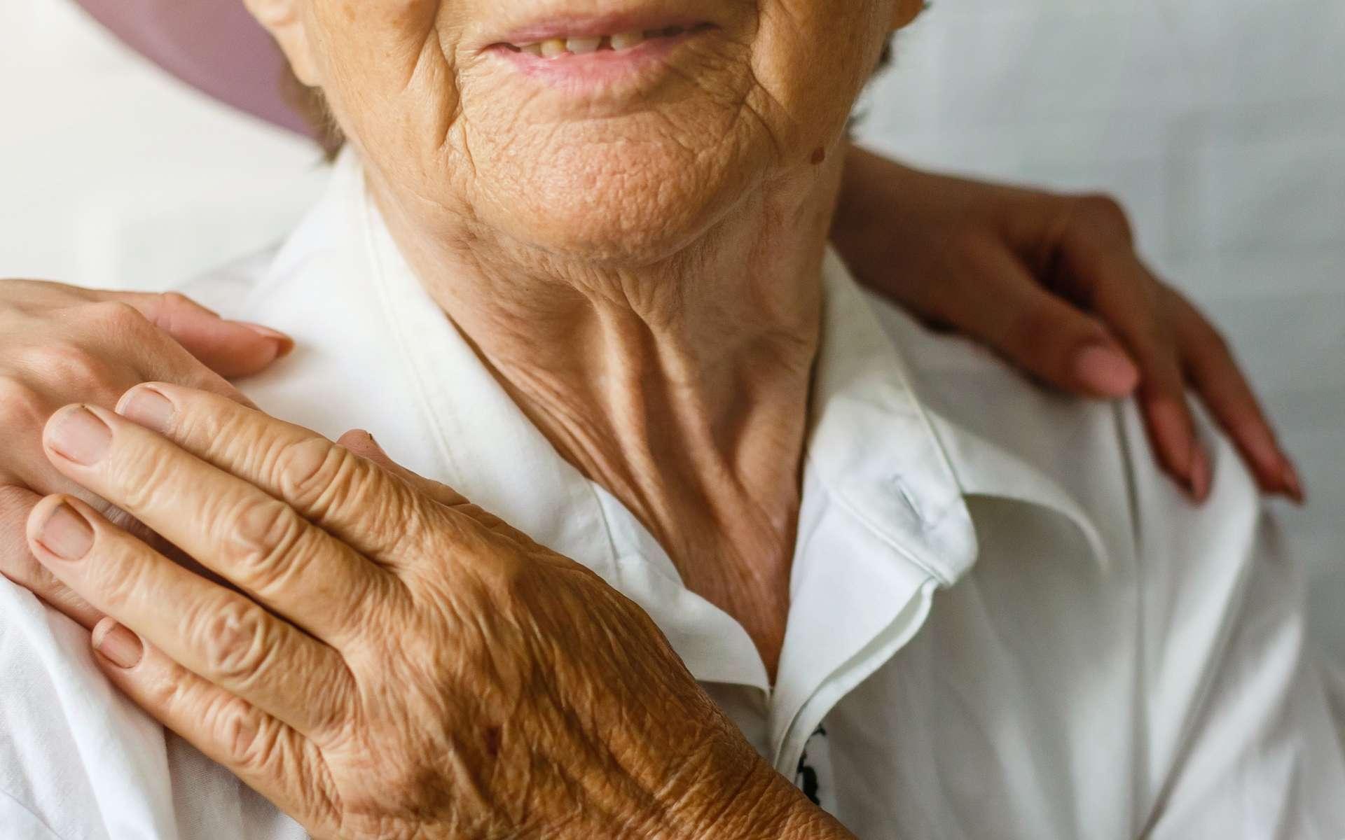 Les auxiliaires de vie s'occupent de personnes âgées ou handicapées. © Angelov, Adobe Stock