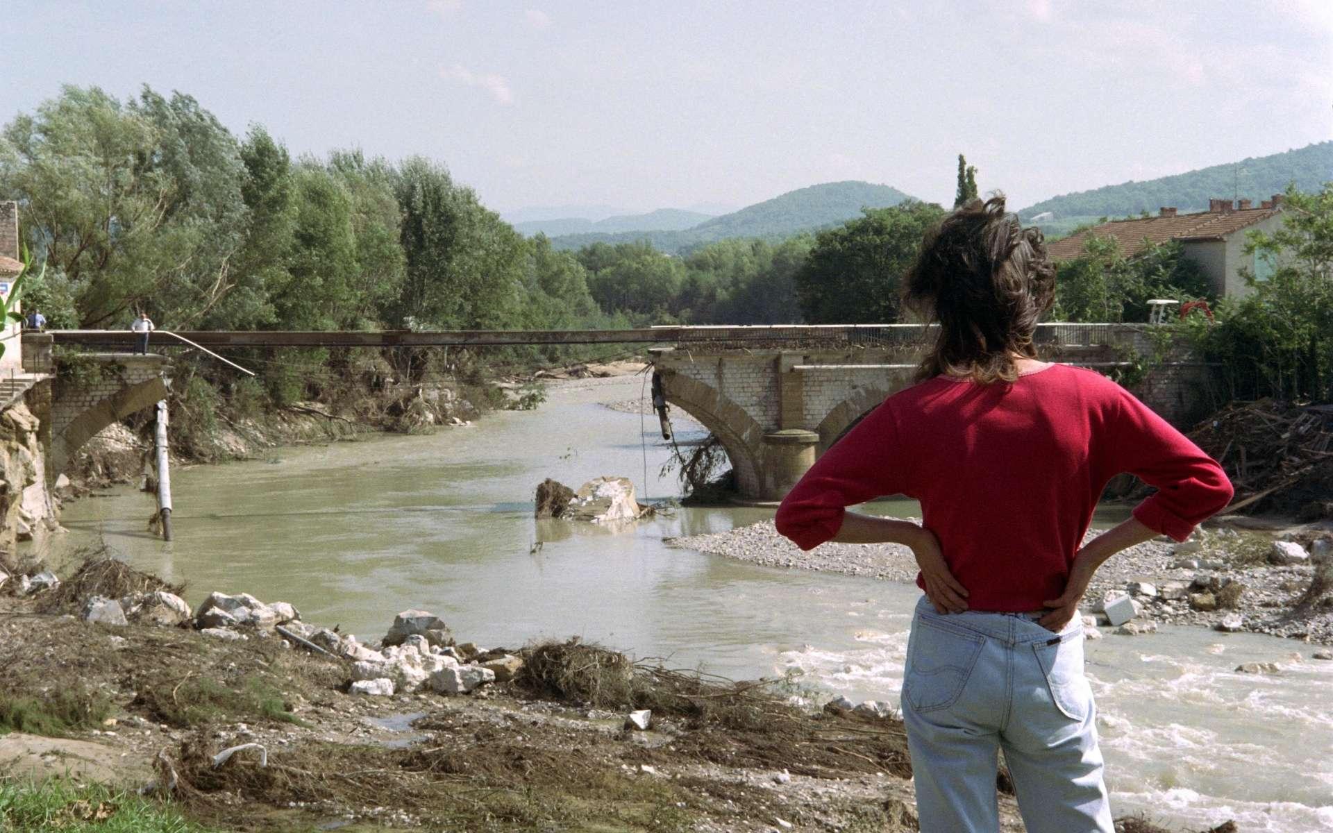 La catastrophe de Vaison-la-Romaine en 1992. © Pierre Bessard, AFP