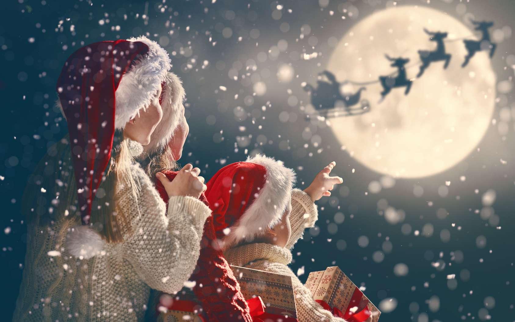 Dans la plupart des familles, la légende du père Noël fait partie intégrante des fêtes de fin d'année. © Konstantin Yuganov, fotolia
