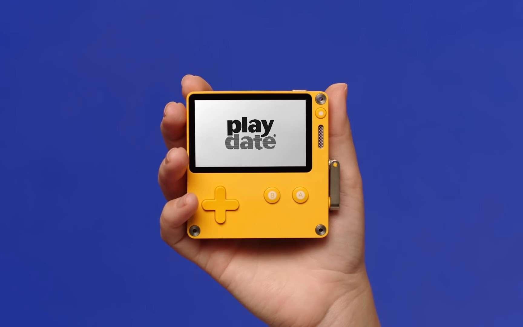 Playdate : une mini-console qui se commande… avec une manivelle !