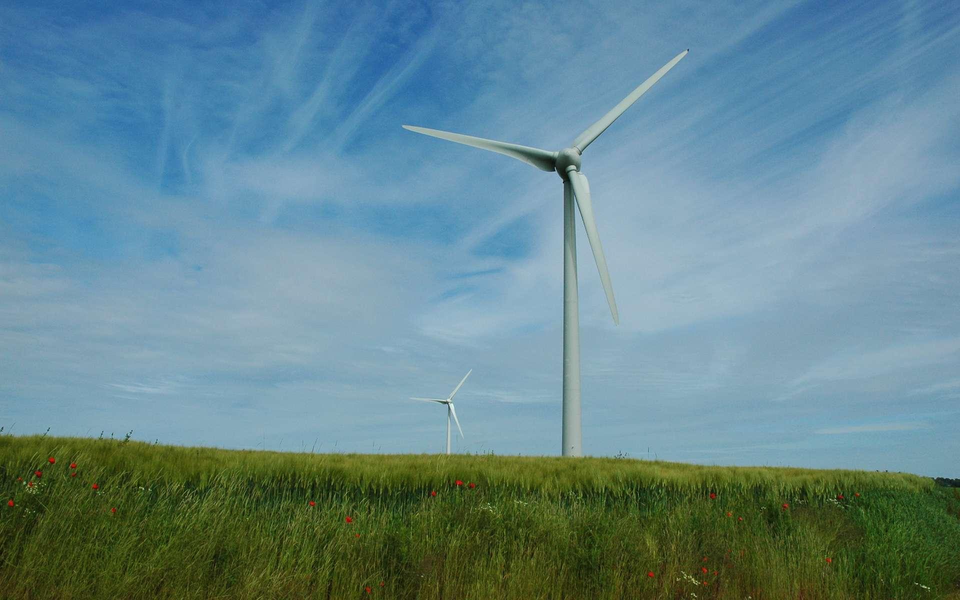 En image, une éolienne. D'ici 2020, l'énergie éolienne devrait produire jusqu'à 10 % de l'énergie électrique, en France. © isamiga76, Flickr, cc by 2.0
