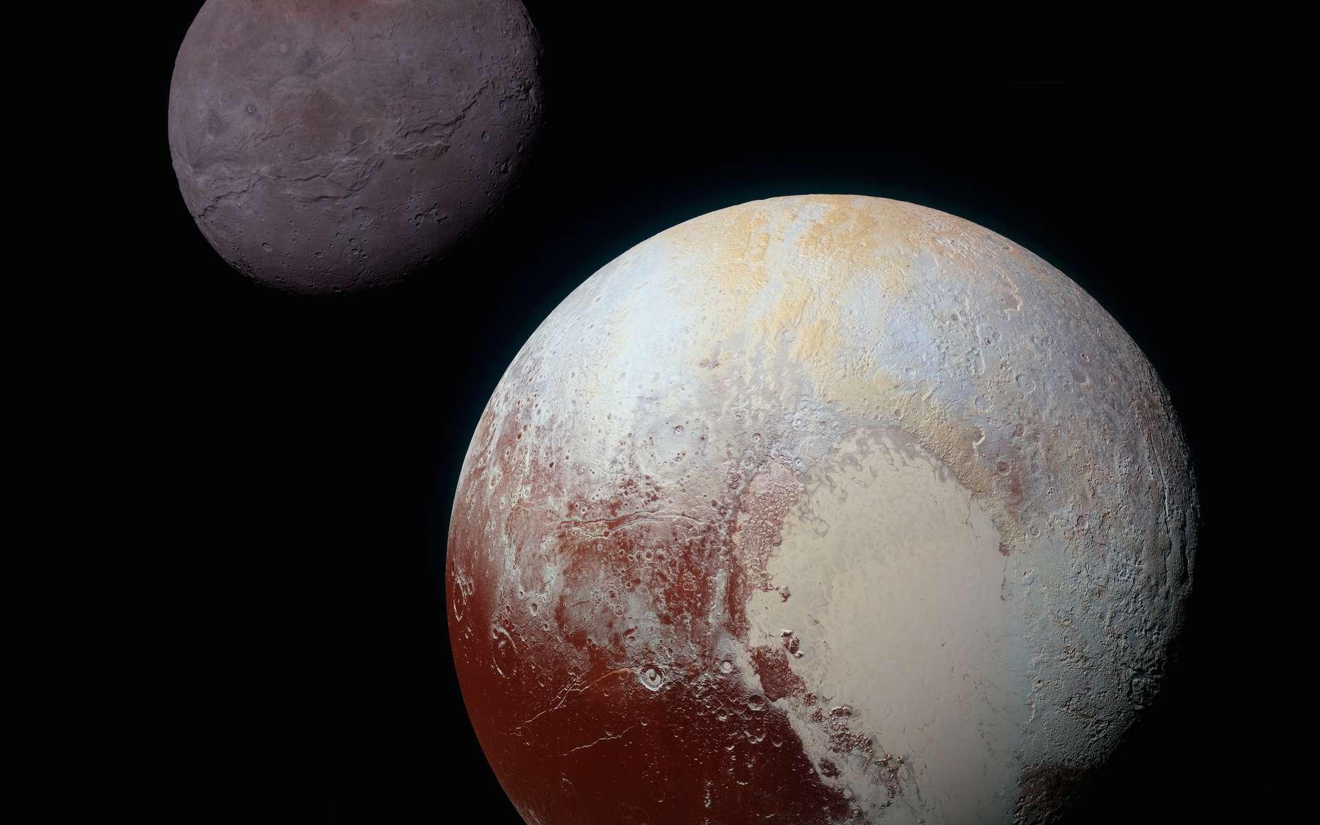 Pluton et sa plus grosse lune, Charon, en arrière-plan, vues par la sonde New Horizons lors de son survol historique en 2015. Le manque de cratères de faible dimension sur Pluton et Charon suggère que les petits impacteurs, de moins de deux kilomètres de diamètre, sont rares dans la ceinture de Kuiper, parfois surnommée royaume de Pluton. © Nasa/Johns Hopkins University Applied Physics Laboratory/Southwest Research Institute