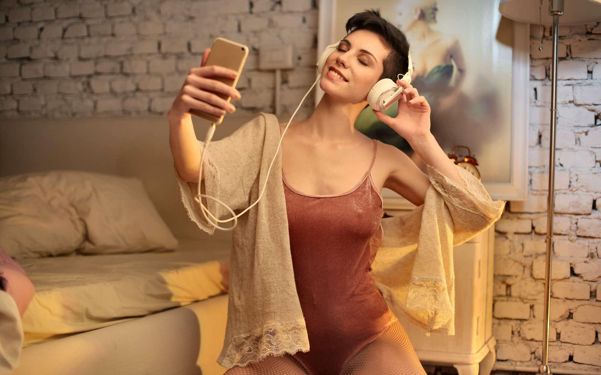 Bouygues Telecom prolonge son forfait 80 Go pas cher © Andrea Piacquadio, Pexels