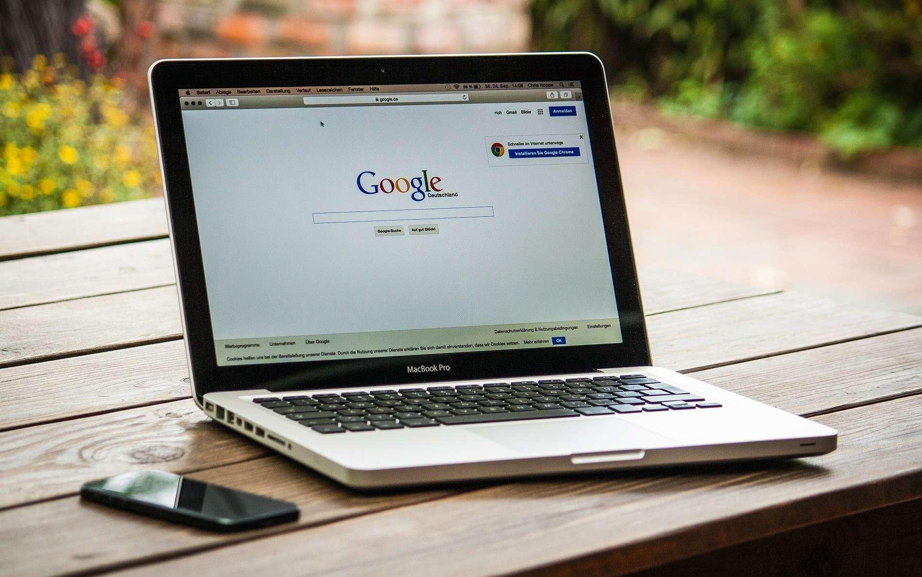 Le SEO, c'est l'art de répondre aux critères de Google pour que son site web sorte dans les premiers résultats. © 377053, Pixabay