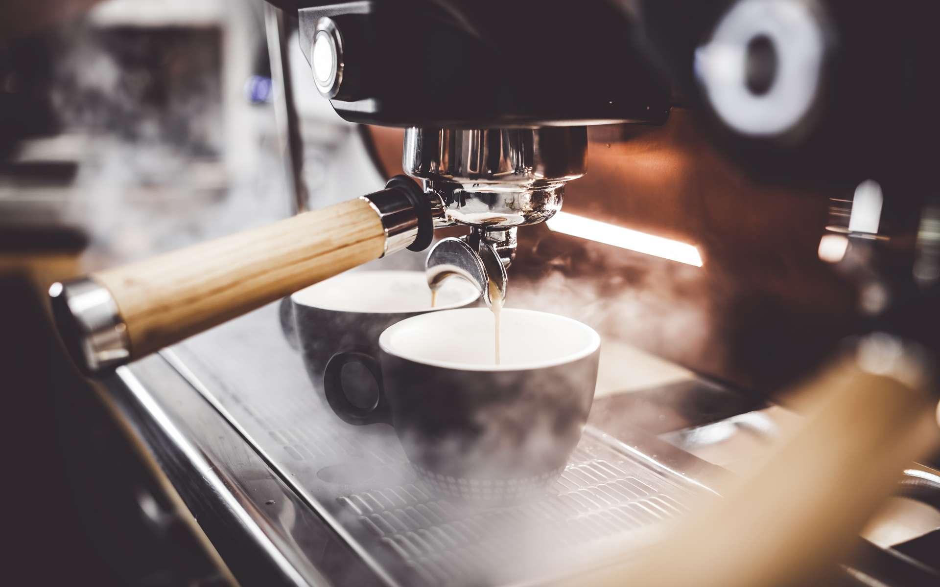 Un entretien régulier pour garder sa machine plus longtemps. © leszekglasner, Adobe Stock