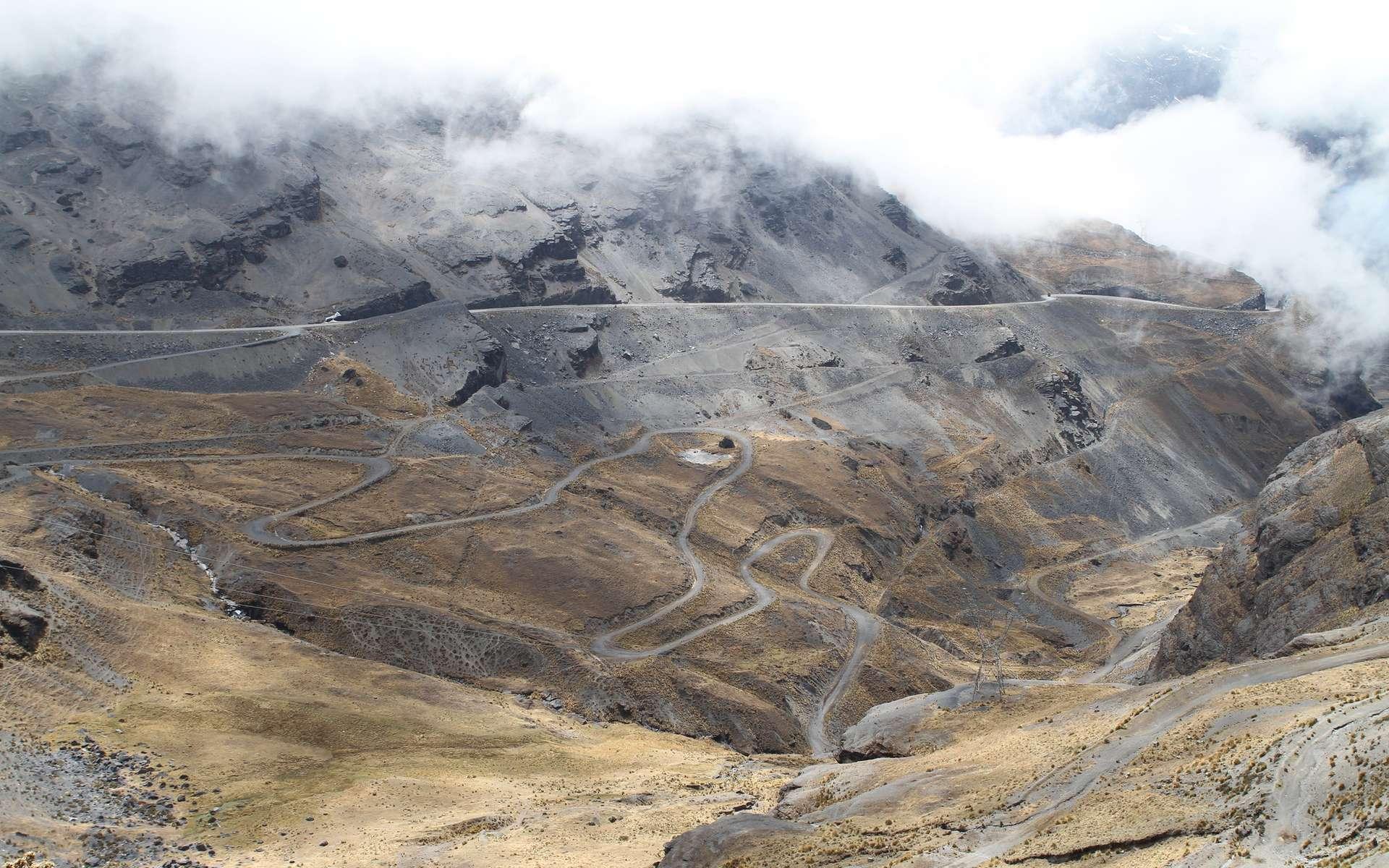 La route de la mort en Bolivie est la route la plus dangereuse du monde. © Andrew Fleming, Flickr