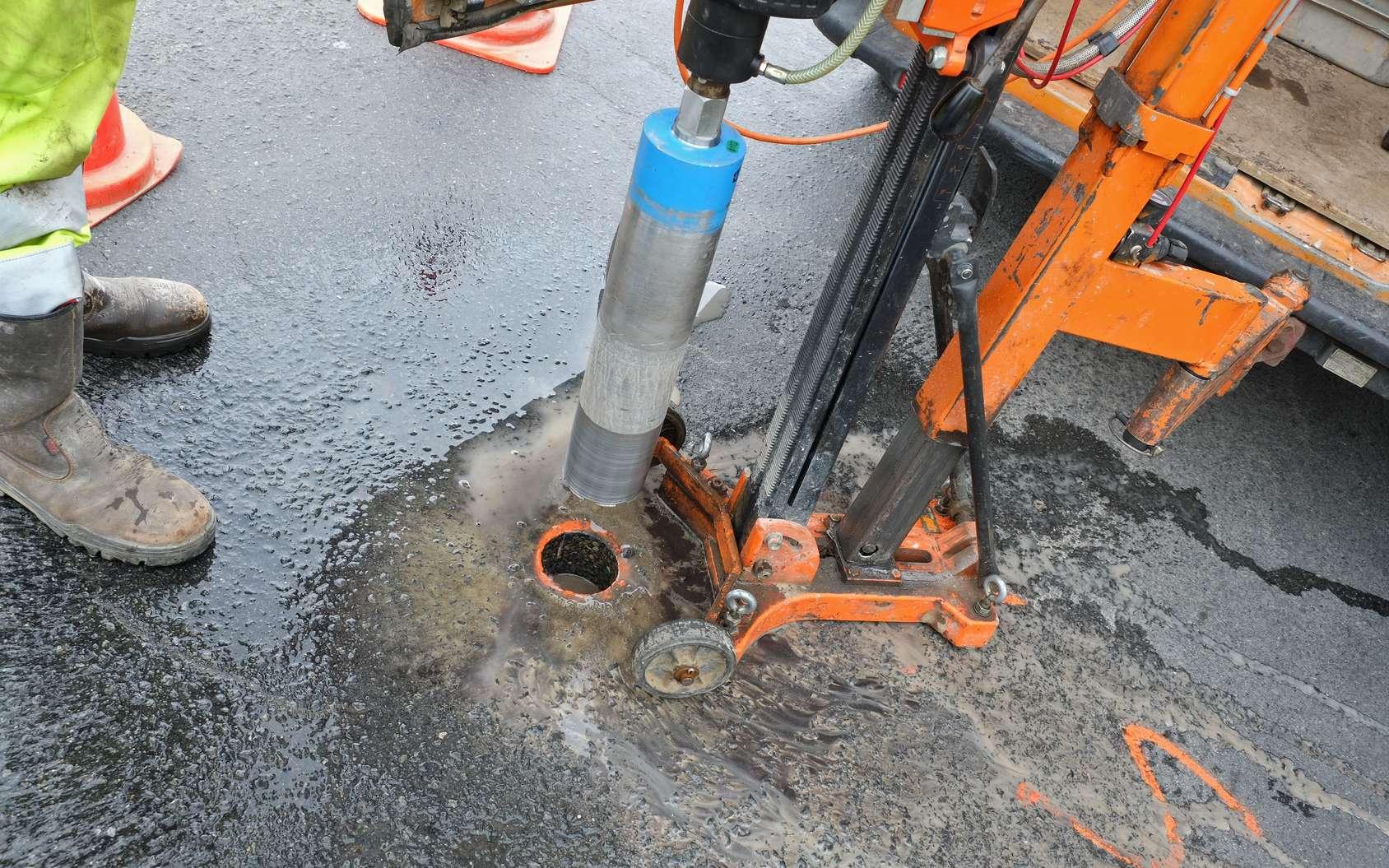 Le géotechnicien doit s'assurer de la stabilité d'un sol afin d'éviter tout risque d'écrasement ou d'affaissement. © Dominique VERNIER, Fotolia.