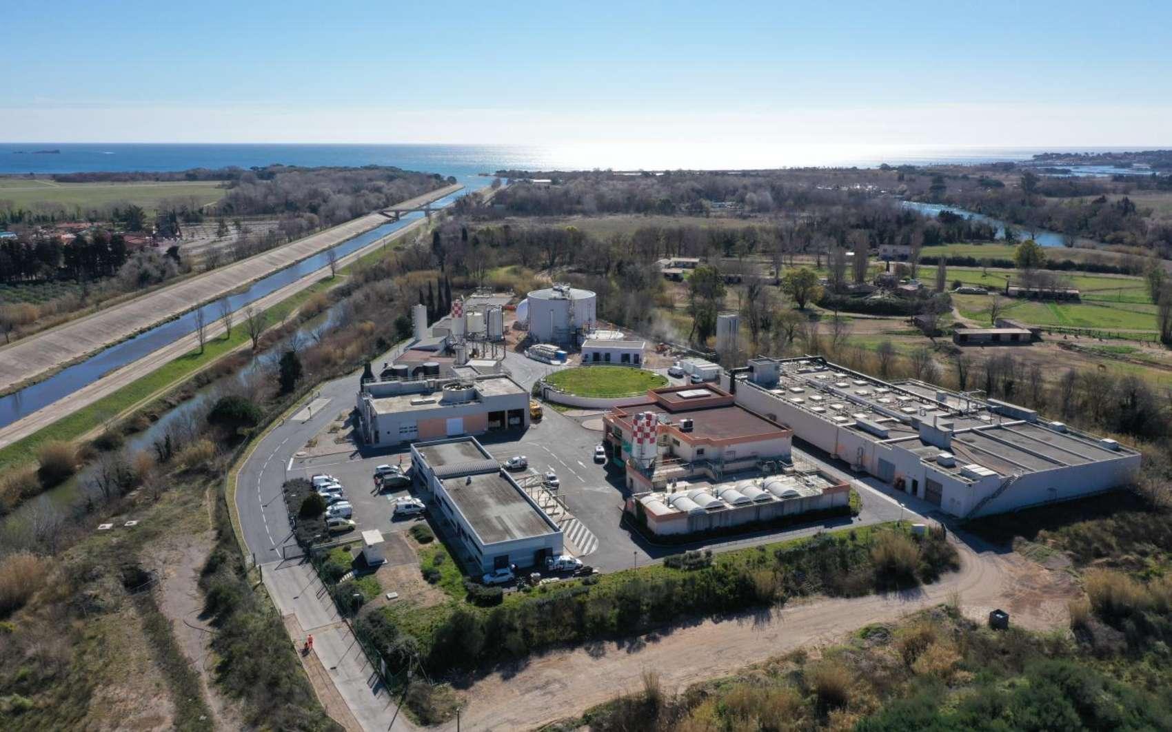 Vue aérienne de la station d'épuration du Reyran basée à Fréjus. © Step du Reyran