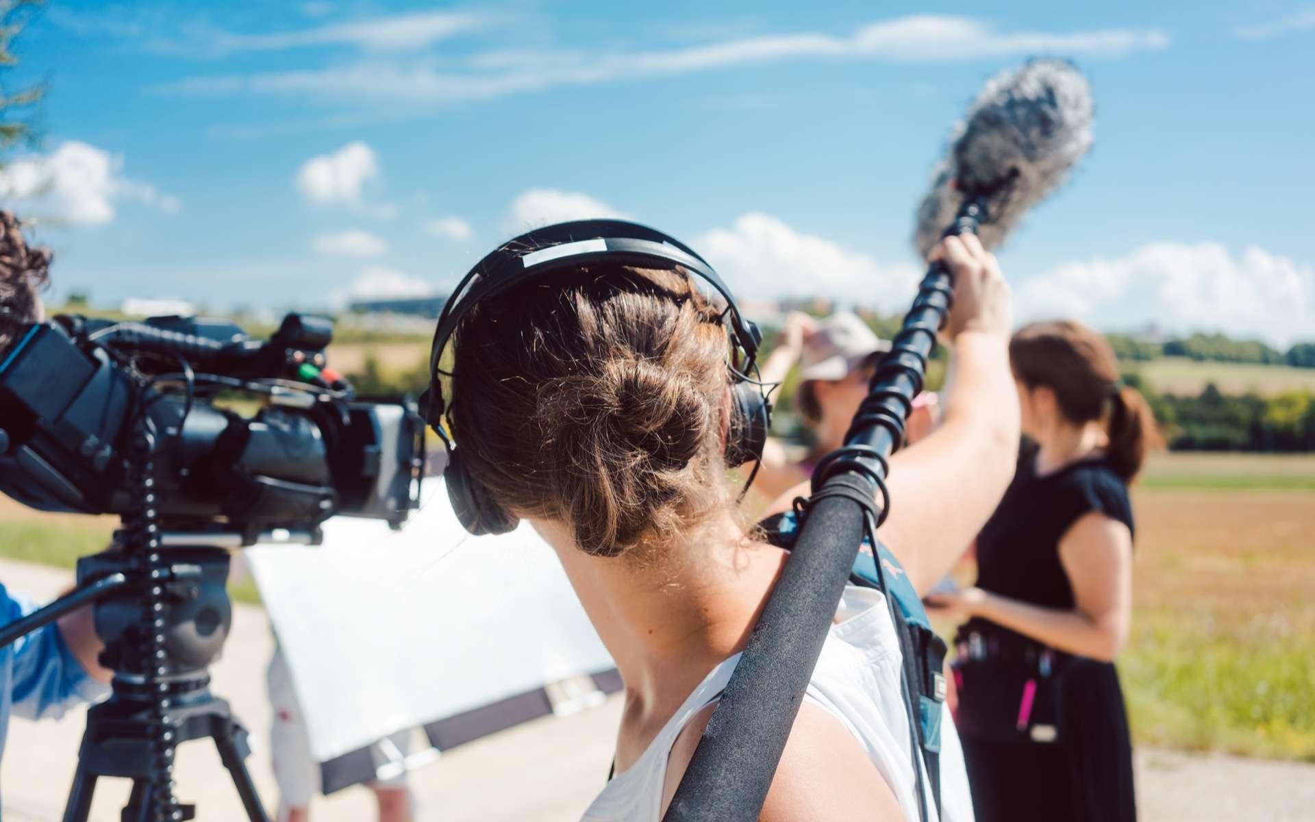 La lumière, le son, entre autres feront toute la différence pour réussir une belle vidéo. © Kzenon, Adobe Stock