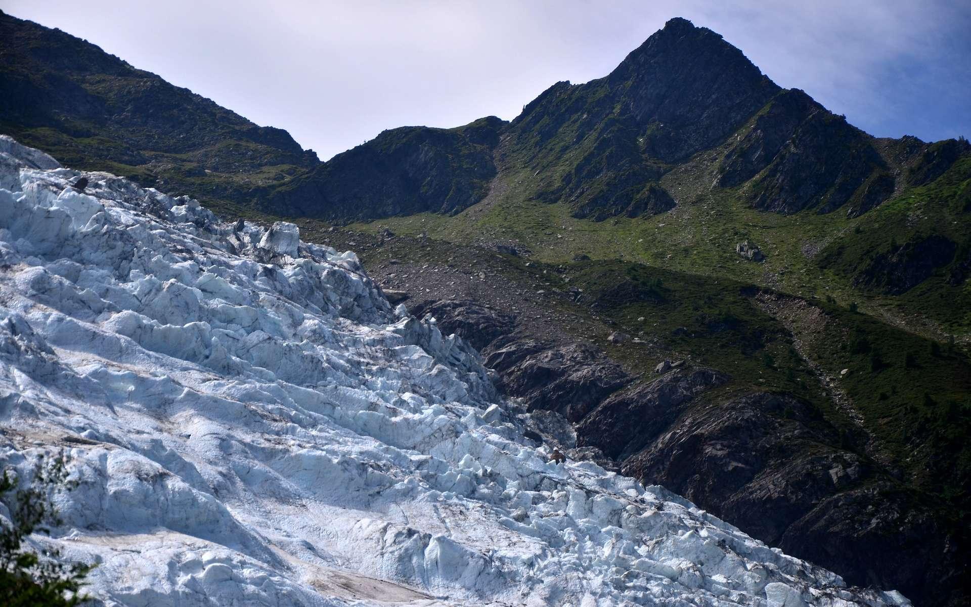 Une moraine est une accumulation de débris rocheux issus d'un glacier. © Tony Fernandez, Flickr