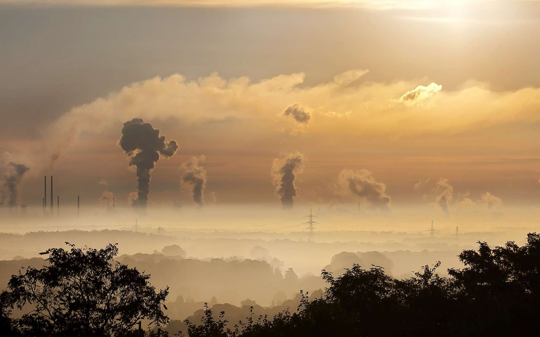 En 2018, la demande en énergie a augmenté pour tous les combustibles. Mais, alors qu'elle augmentait de 30 % pour les énergies solaire et éolienne, elle a augmenté de 70 % pour les combustibles fossiles. Ainsi, les émissions de CO2 s'affichent également à la hausse. © Foto-Rabe, Pixabay, CC0 Creative Commons