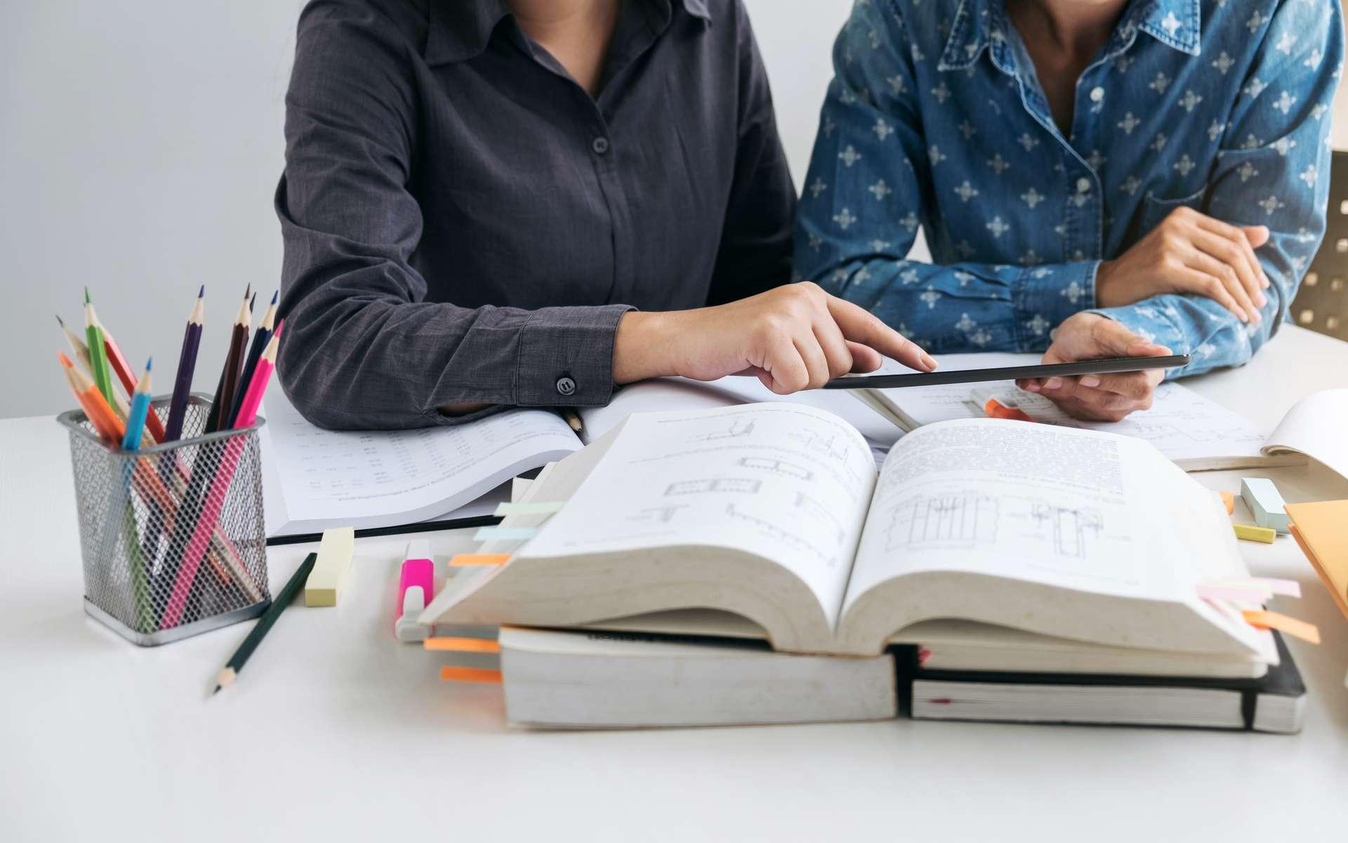 Le conseiller d'orientation accompagne les jeunes dans leur choix d'étude et d'objectif professionnel. © Freedomz, Adobe Stock.
