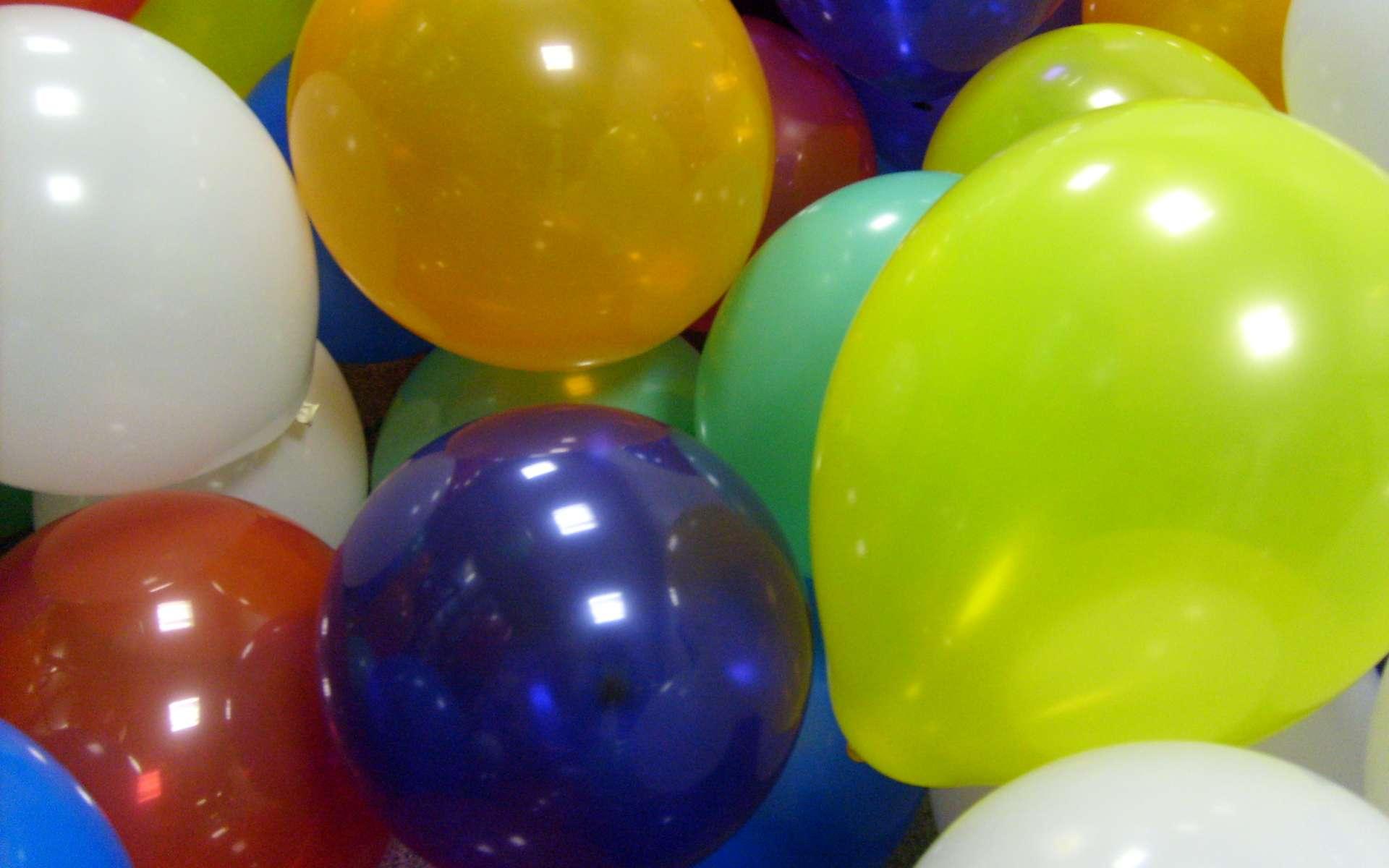 Que se passe-t-il lorsqu'un ballon de baudruche éclate? Tout dépend de la manière dont vous le gonflez… © Complete fanatic, Wikimedia Commons, DP