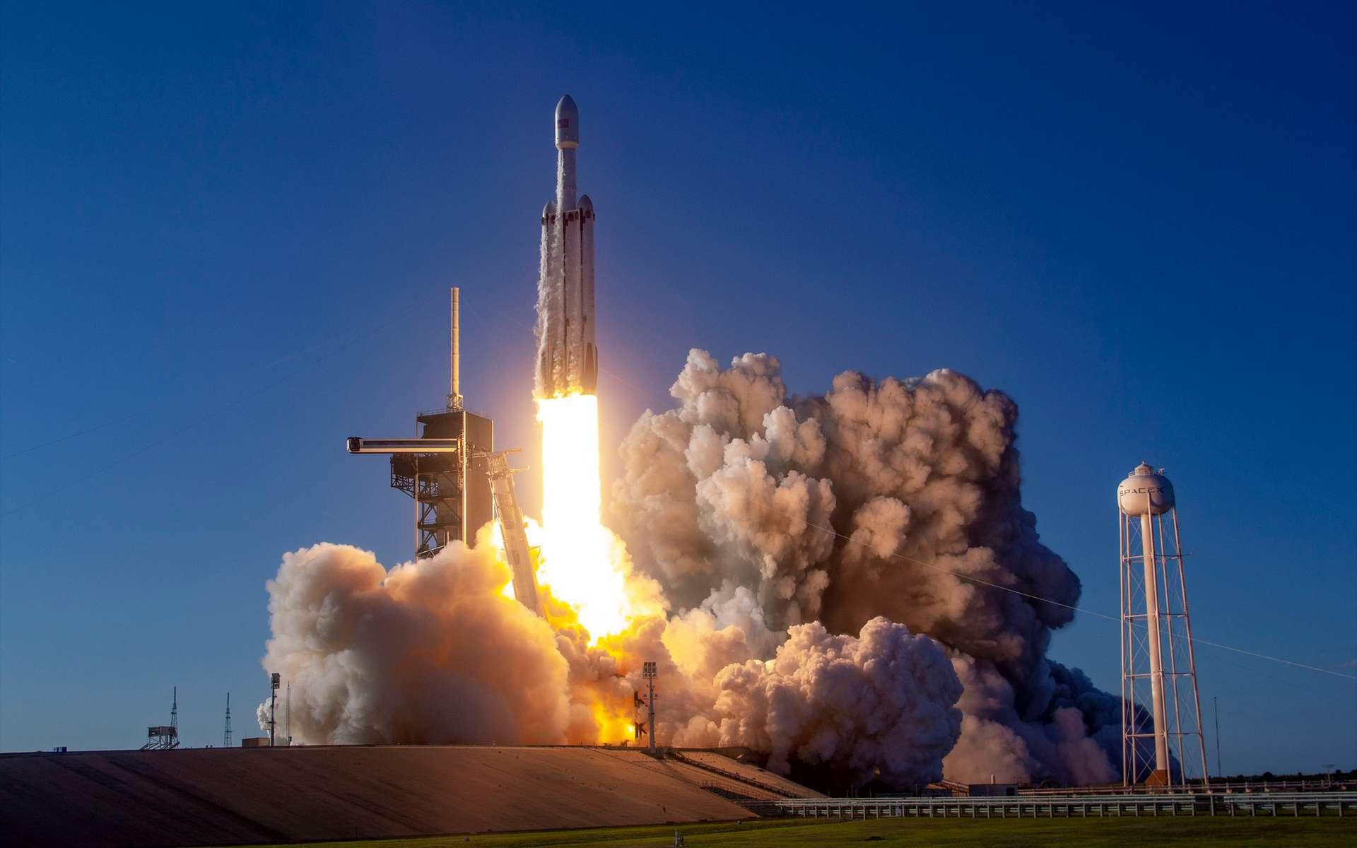 Un Falcon Heavy au décollage. © SpaceX