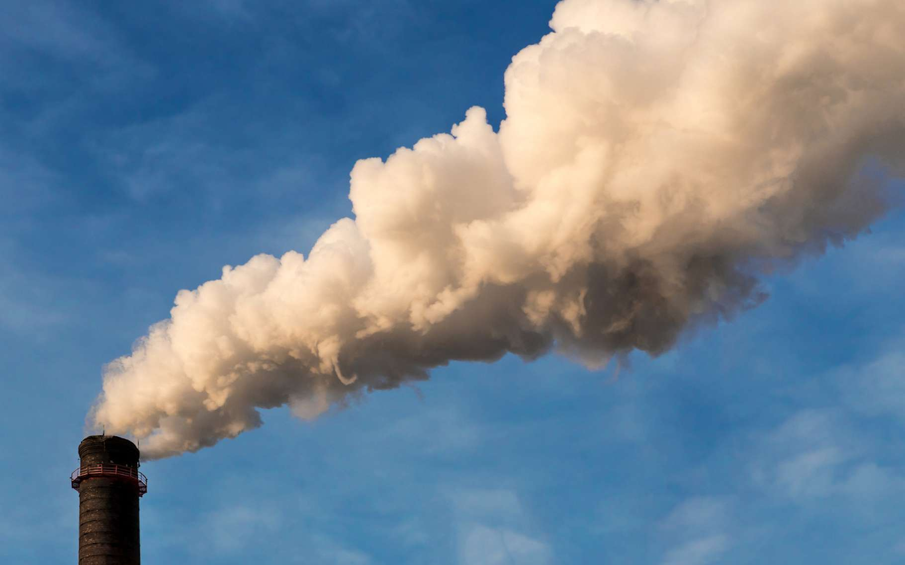 Début mai, les médias avaient déjà cru au dépassement du seuil symbolique des 415 parties par million de CO2 dans notre atmosphère. Les données avaient ensuite été révisées. Mais aujourd'hui plus de doute, l'observatoire de Mauna Loa, à Hawaï (États-Unis), a bien enregistré un nouveau record. © Artem Zarubi, Fotolia