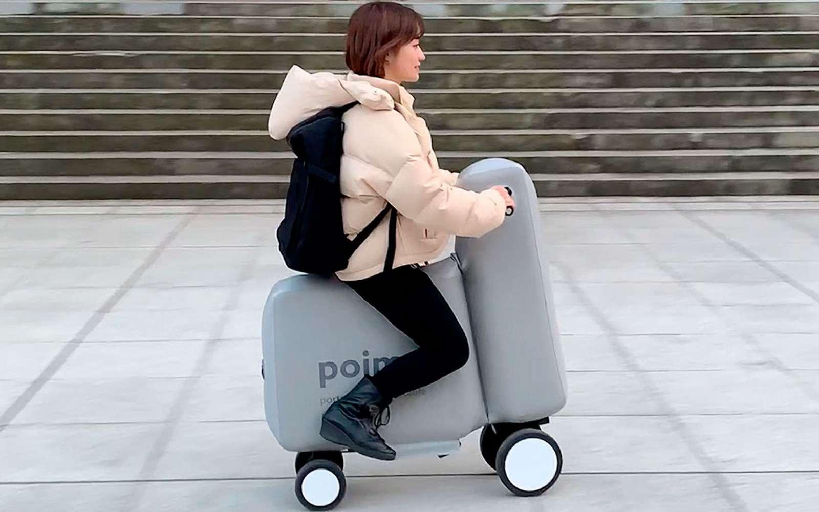 Le vélo électrique gonflable Poimo pèse 5 kilos et se gonfle en une minute. © Université de Tokyo