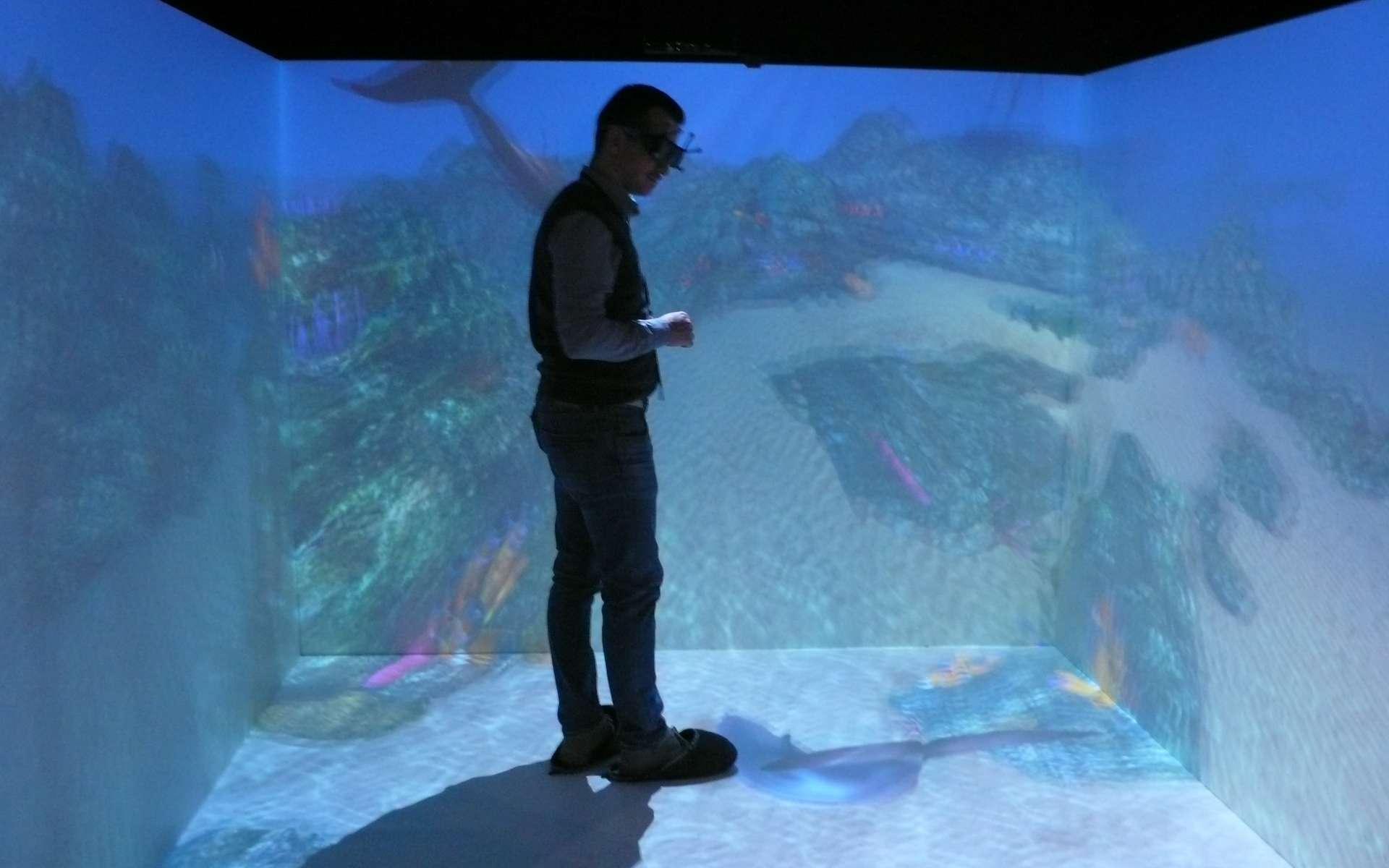 Une salle immersive, ou Cave (Cave Automatic Virtual Environment, ici un modèle présenté par Eon Reality). Le monde virtuel devient presque réel... © Futura-Sciences, Jean-Luc Goudet