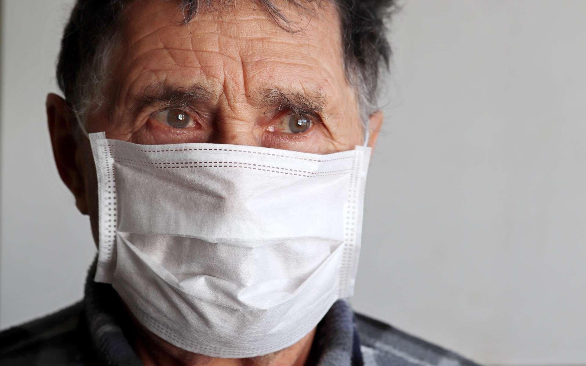 Les hommes, de plus de 70 ans ou déjà malades, sont les plus vulnérables que les femmes. © Oleg, Adobe Stock