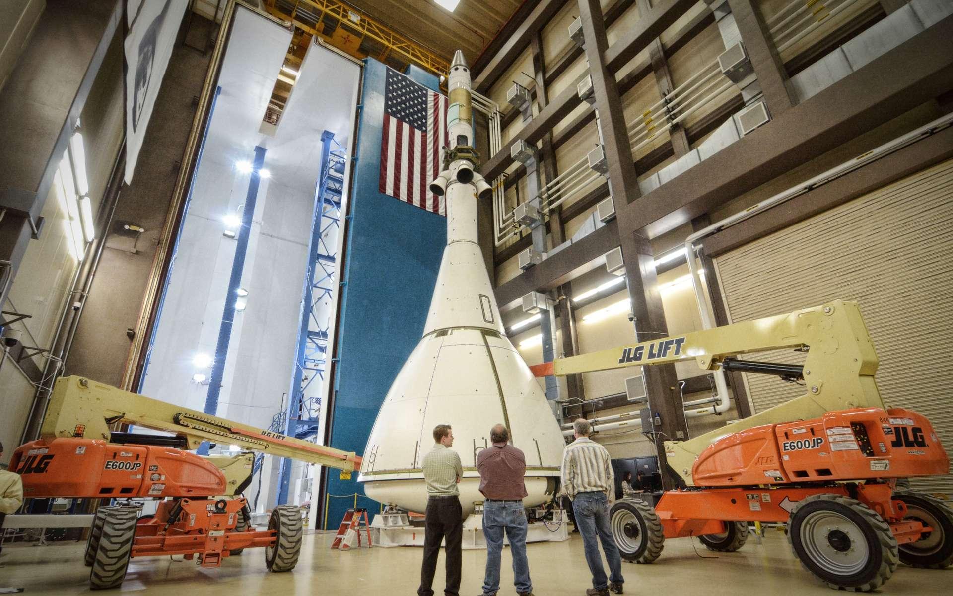 Oubliées les navettes en forme d'avion spatial. Pour accéder à la Station spatiale et voyager dans l'espace, la Nasa remet au goût du jour les capsules spatiales comme cet Orion-MPCV dont le premier vol d'essai est prévu en 2014. © Nasa