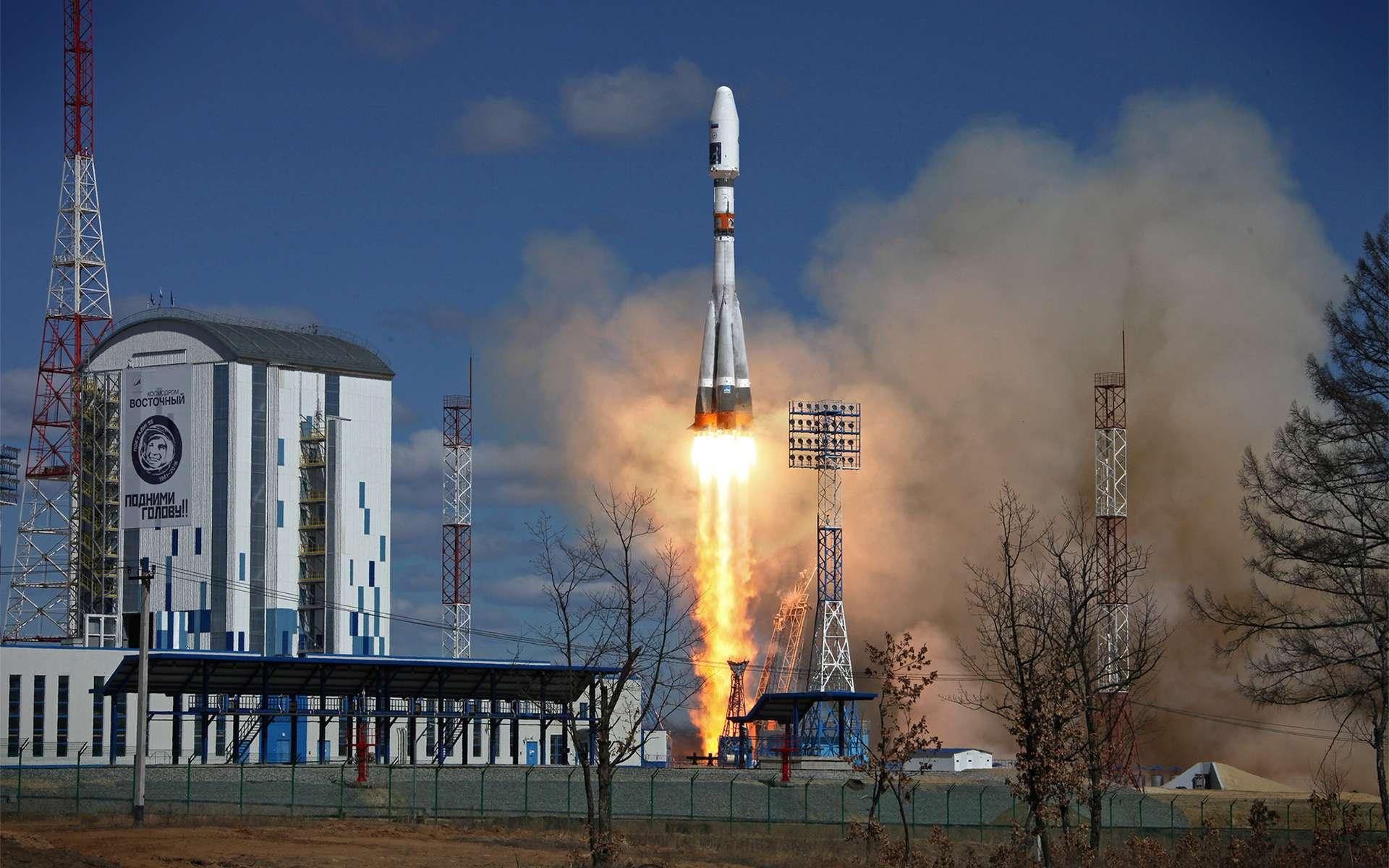 Le vol inaugural depuis le tout nouveau cosmodrome de Vostochny qui doit à terme récupérer la plus grande partie de l'activité du cosmodrome de Baïkonour. © Roscomos