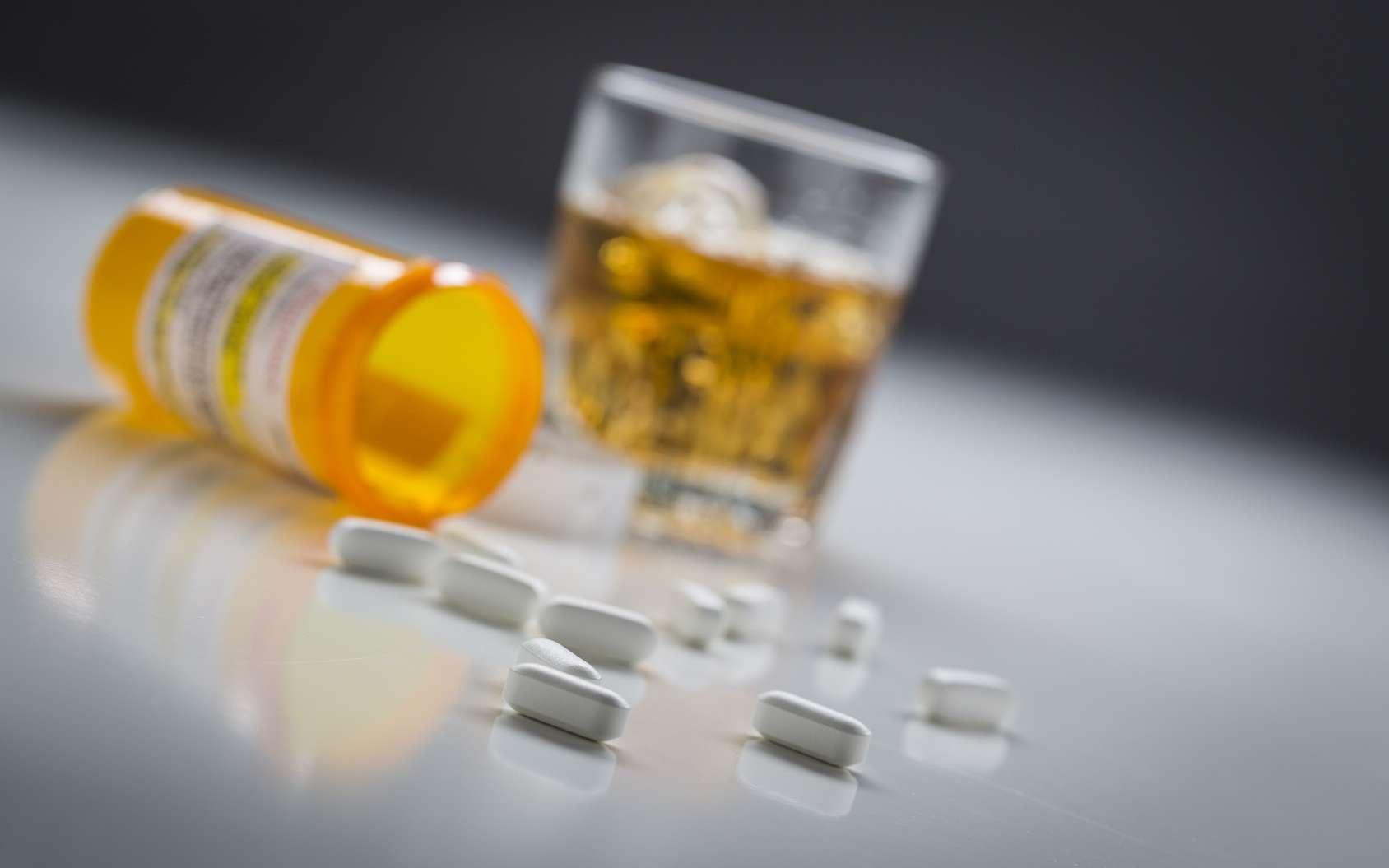 Le baclofène est utilisé pour lutter contre la dépendance à l'alcool, mais sans AMM. © Andy Dean, Fotolia
