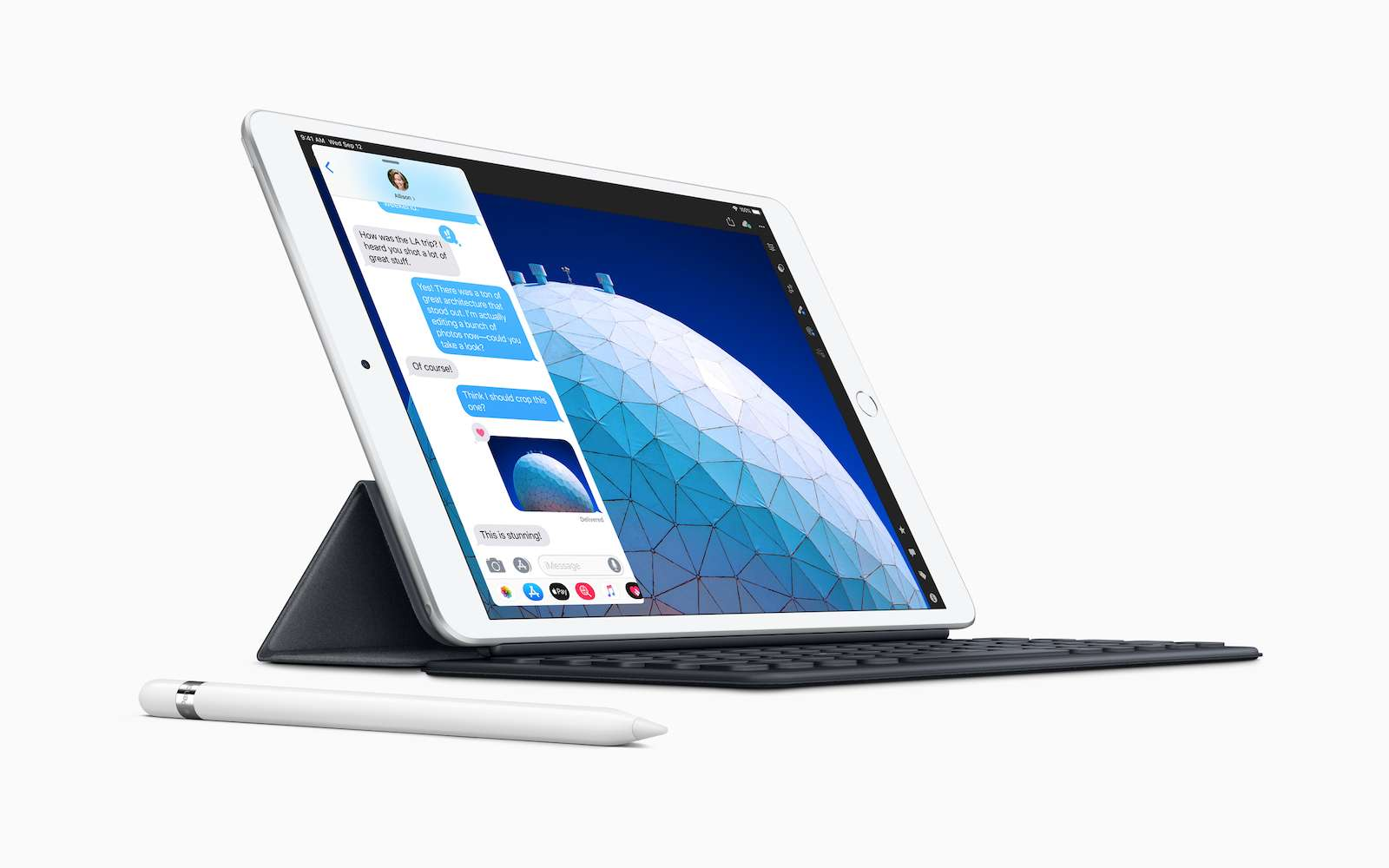 L'iPad Air se transforme en miniportable grâce à l'ajout du Smart Keyboard. © Apple