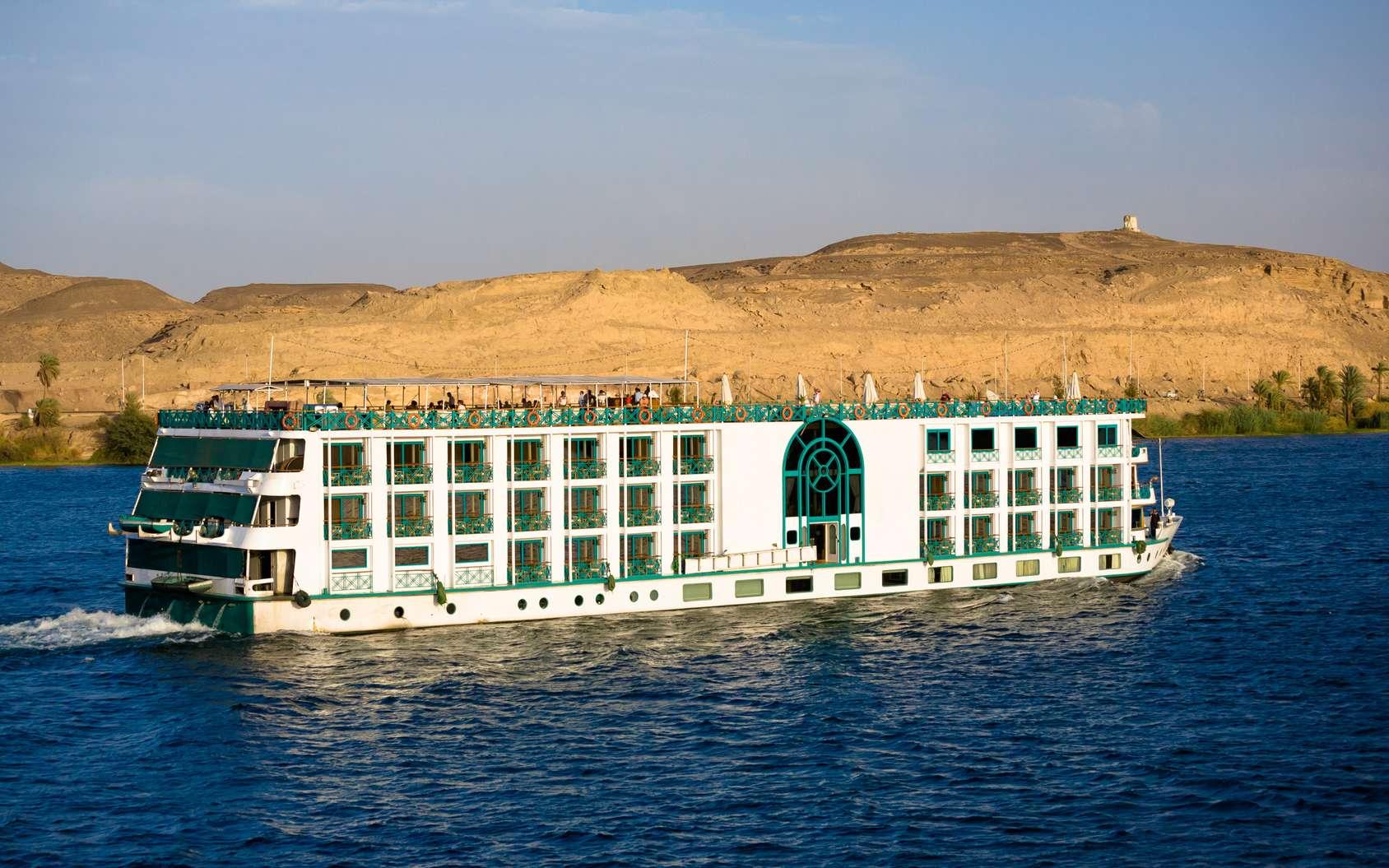 Une croisière sur le Nil en Égypte permet de découvrir les temples et constructions les plus importants du pays. © Tom, fotolia