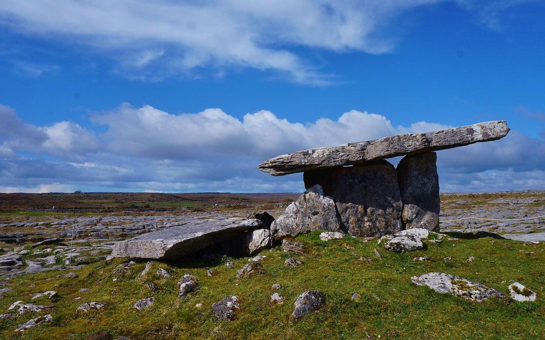 Les dolmens, des structures mégalithiques, sont nombreux en Europe de l'ouest. Ici, en Irlande. © carina_chen, Pixabay, CC0 Public DOmain